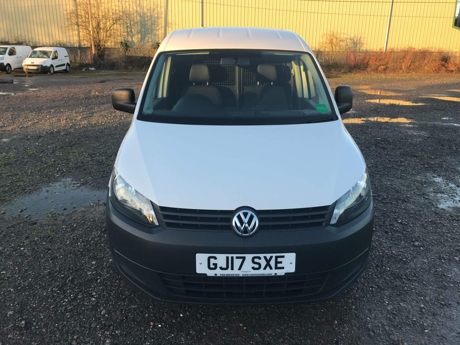 2017 Volkswagen Caddy  1.6 75PS STARTLINE EURO 5 (GJ17SXE) Image 2