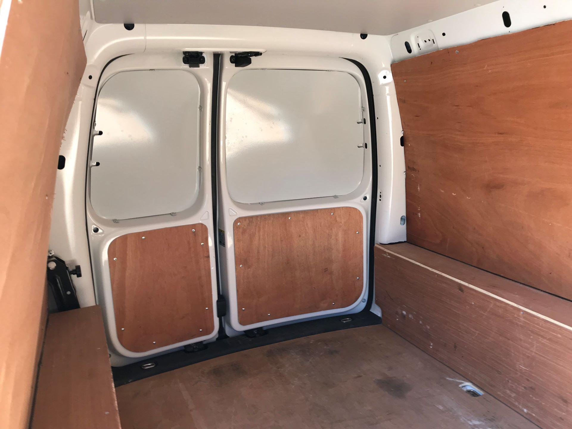 2018 Volkswagen Caddy  2.0 102PS BLUEMOTION TECH 102 STARTLINE EURO 6 (GJ18JYT) Image 11