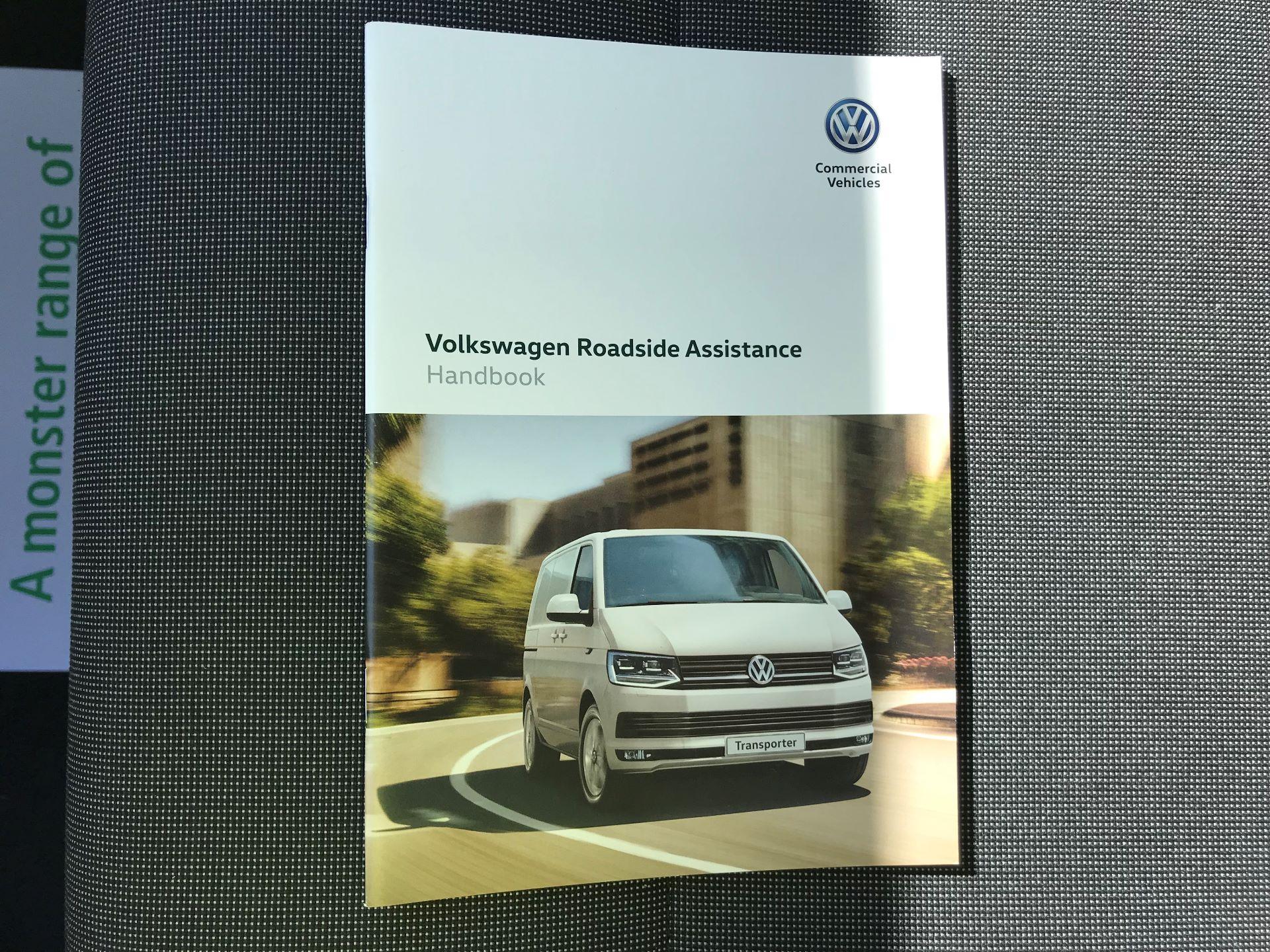 2018 Volkswagen Transporter  T30 LWB DIESEL 2.0 TDI BMT 102 STARTLINE VAN EURO 6 (GJ18KCO) Image 33