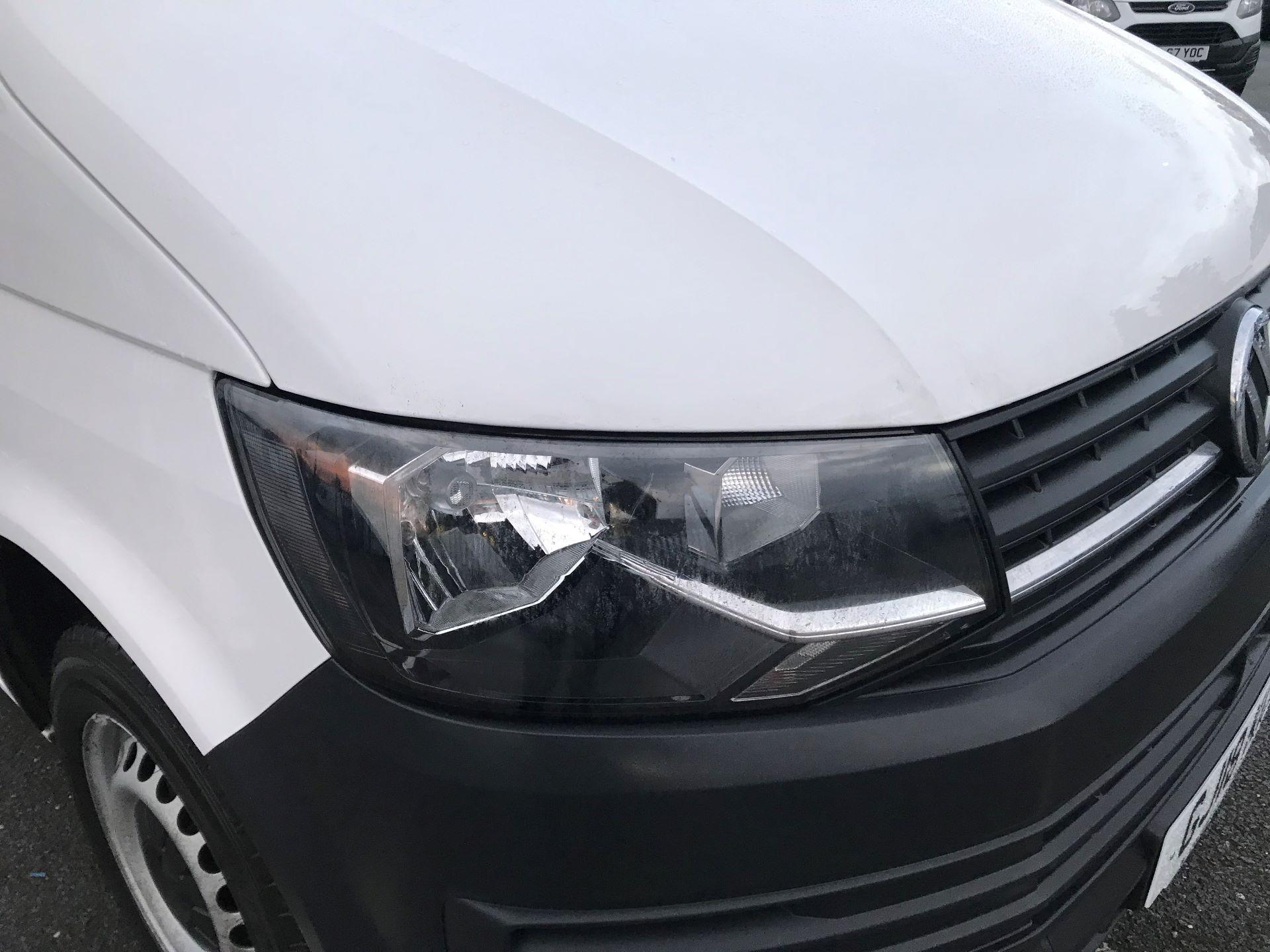 2018 Volkswagen Transporter  T30 2.0 TDI BMT 102 PS Startline Euro 6  (GJ18KCU) Image 15
