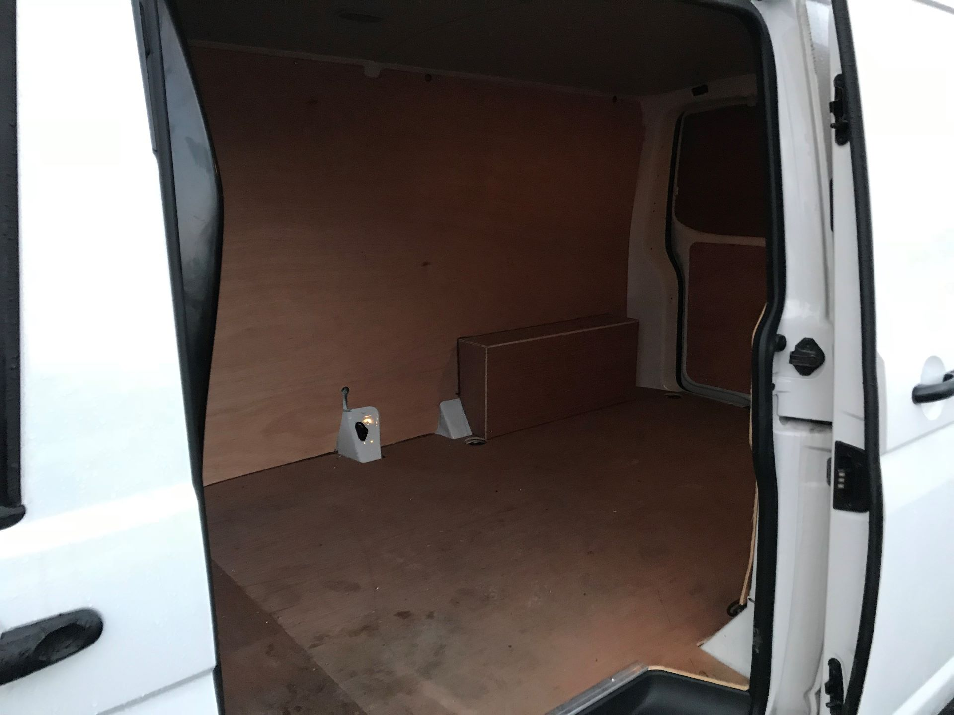 2018 Volkswagen Transporter  T30 2.0 TDI BMT 102 PS Startline Euro 6  (GJ18KCU) Image 11