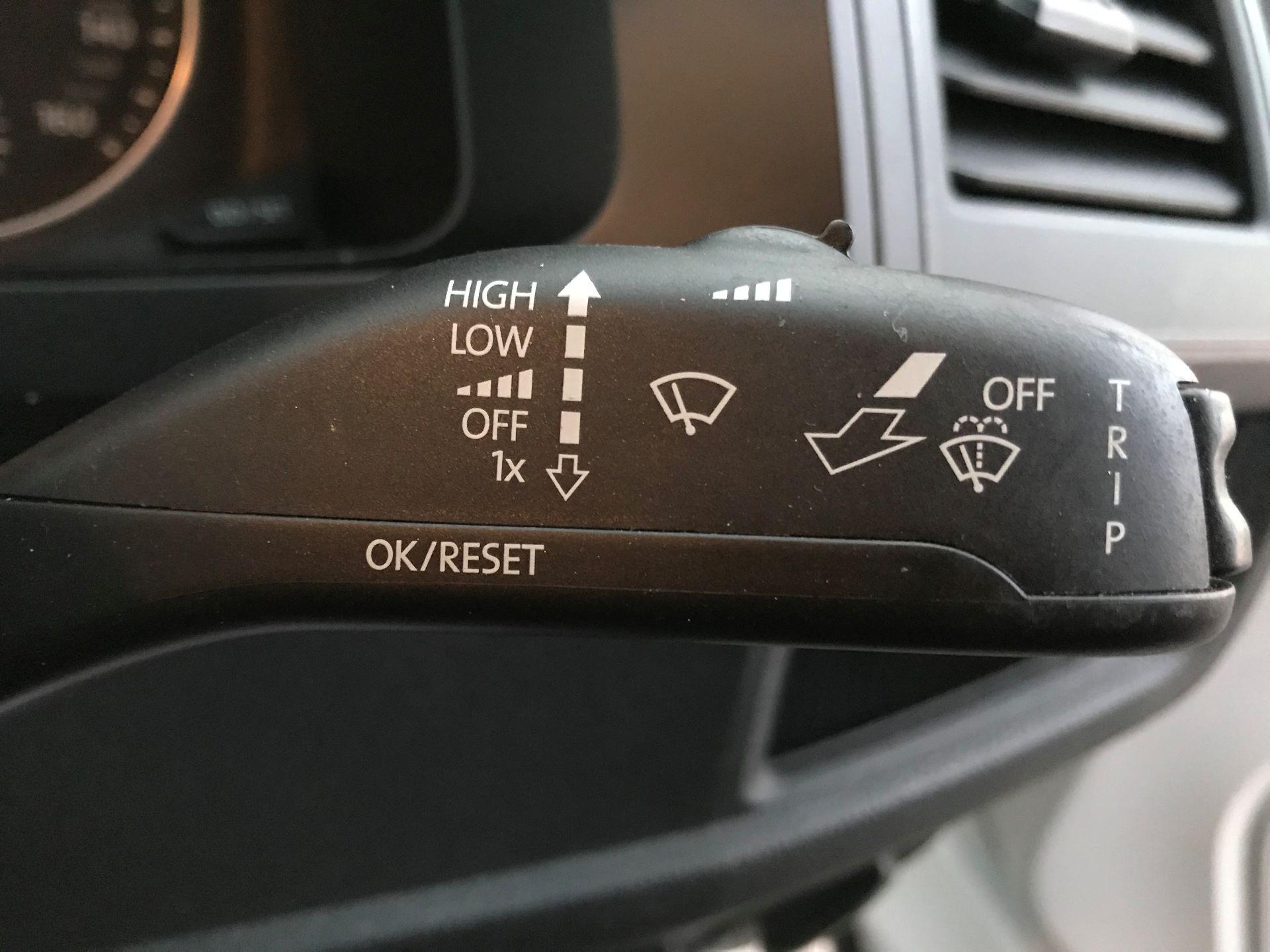 2018 Volkswagen Transporter  T30 2.0 TDI BMT 102 PS Startline Euro 6  (GJ18KCU) Image 25