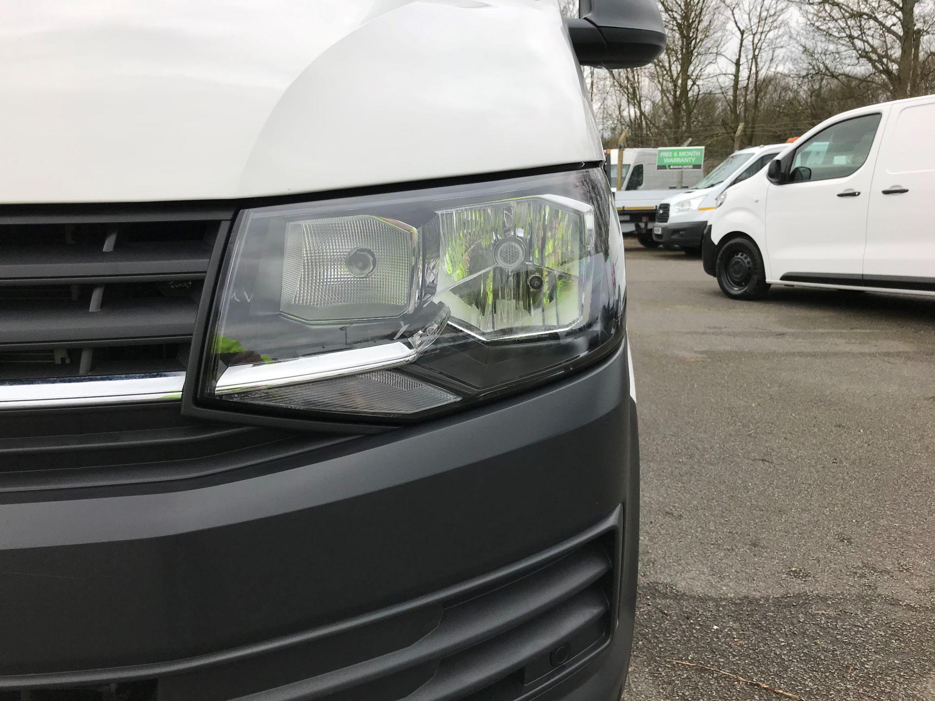 2018 Volkswagen Transporter T30 T6 LWB 2.0TDI BMT 102PS STARTLINE EURO 6 (GJ18KCZ) Image 12
