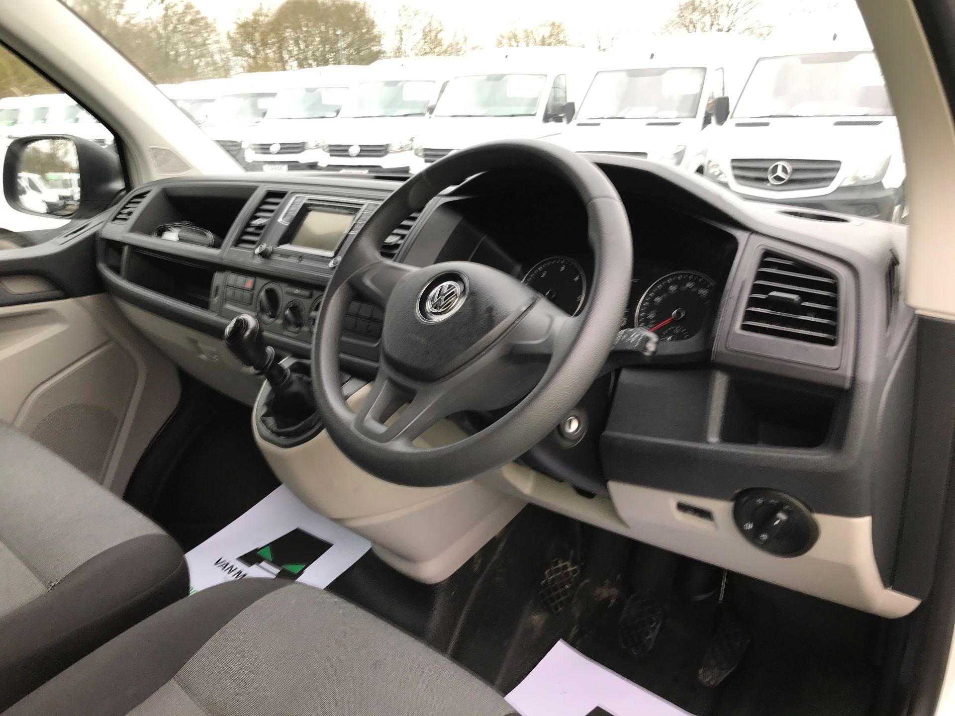2018 Volkswagen Transporter T30 T6 LWB 2.0TDI BMT 102PS STARTLINE EURO 6 (GJ18KCZ) Image 17