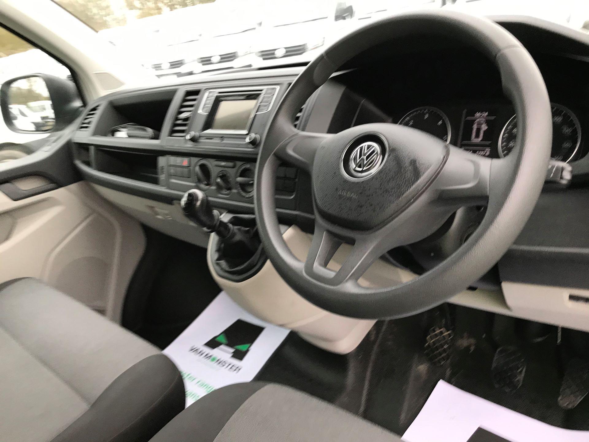 2018 Volkswagen Transporter T30 T6 LWB 2.0TDI BMT 102PS STARTLINE EURO 6 (GJ18KCZ) Image 18
