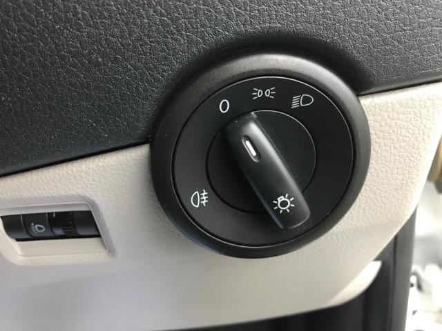 2018 Volkswagen Transporter  T30 LWB DIESEL 2.0 TDI BMT 102 STARTLINE VAN EURO 6 (GJ18KDN) Image 8