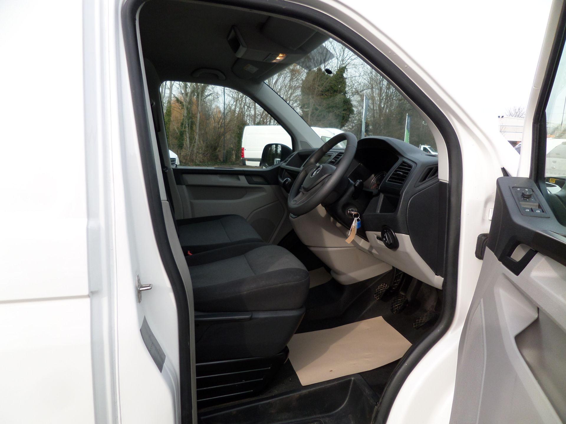 2018 Volkswagen Transporter 2.0 Tdi Bmt 102 Startline Lwb Van Euro 6 (GJ18KDU) Image 11