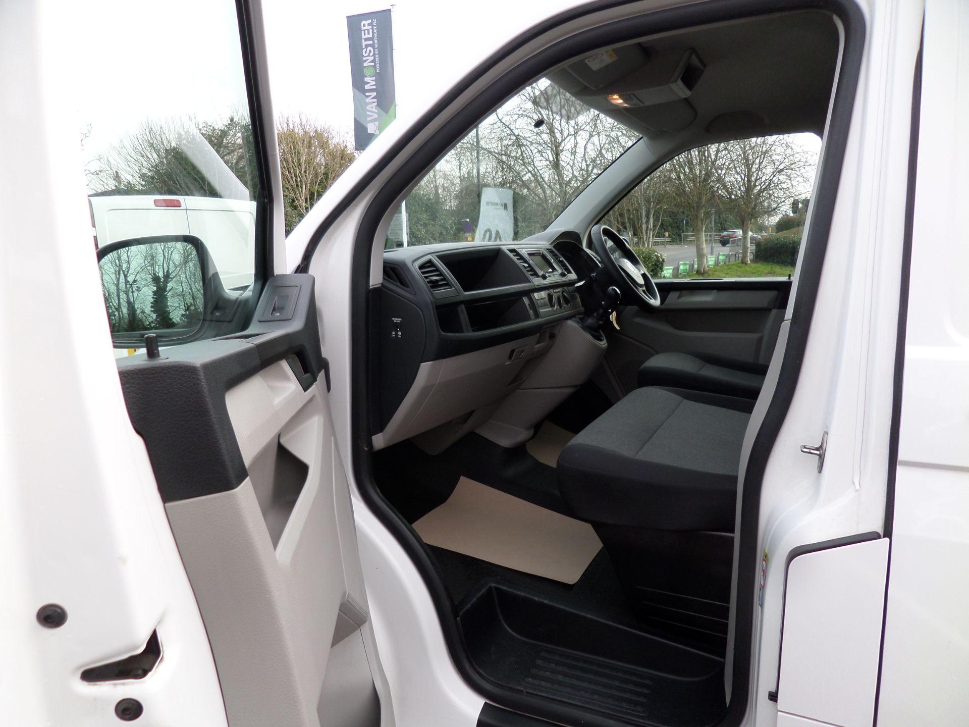 2018 Volkswagen Transporter 2.0 Tdi Bmt 102 Startline Lwb Van Euro 6 (GJ18KDU) Image 8