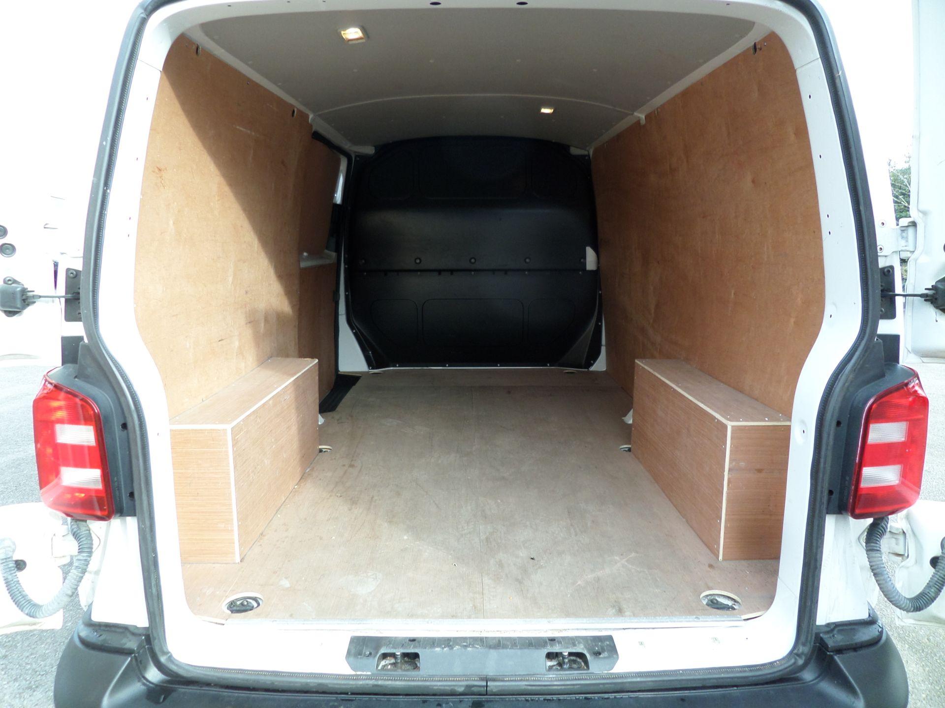 2018 Volkswagen Transporter 2.0 Tdi Bmt 102 Startline Lwb Van Euro 6 (GJ18KDU) Image 5