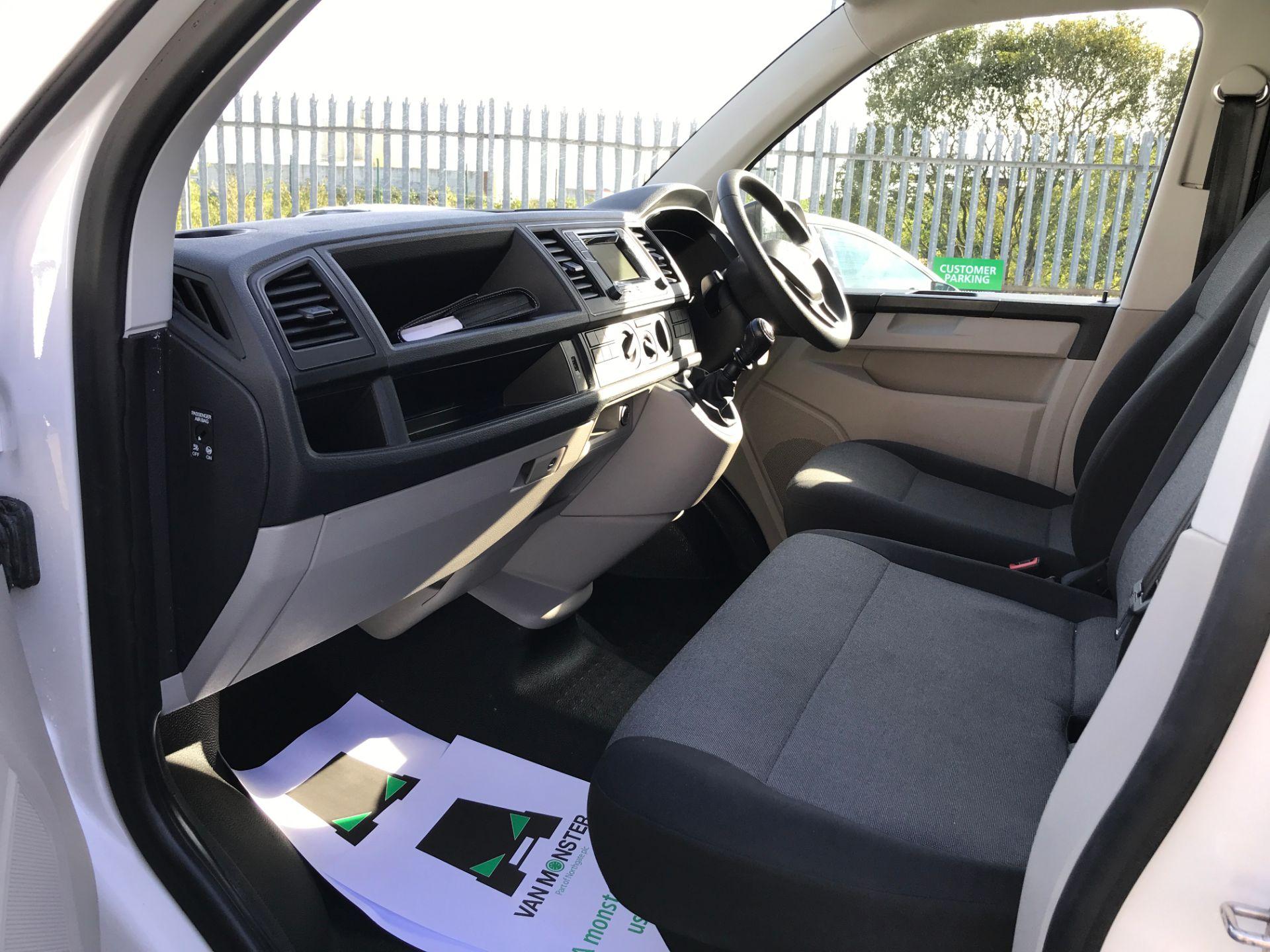 2018 Volkswagen Transporter  T30 T6 LWB 2.0TDI BMT 102PS STARTLINE EURO 6 (GJ18KEU) Image 12