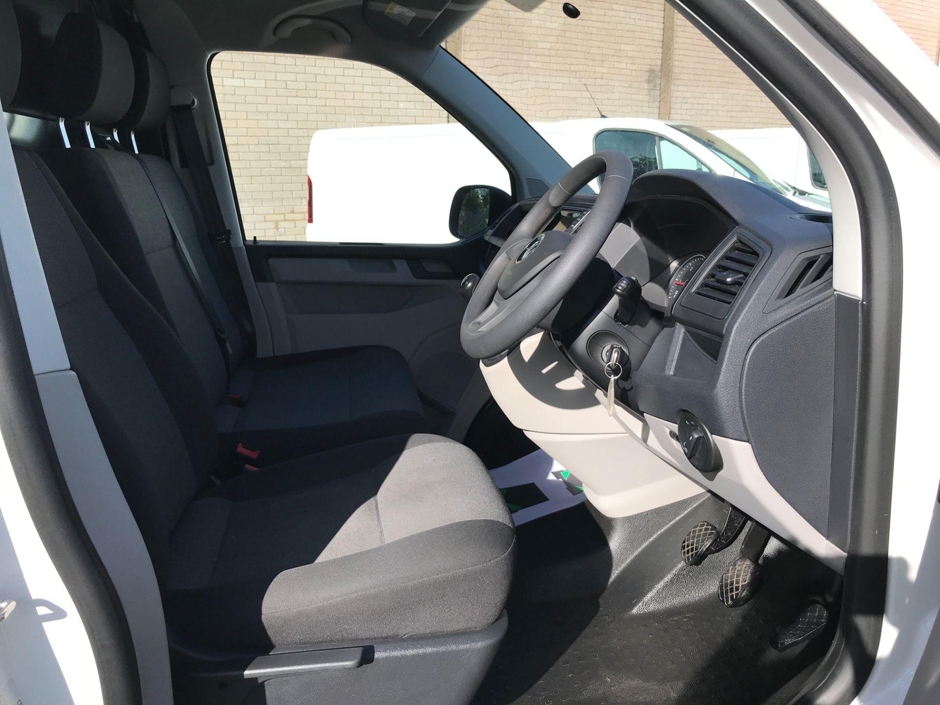 2018 Volkswagen Transporter  T30 T6 LWB 2.0TDI BMT 102PS STARTLINE EURO 6 (GJ18KEU) Image 2