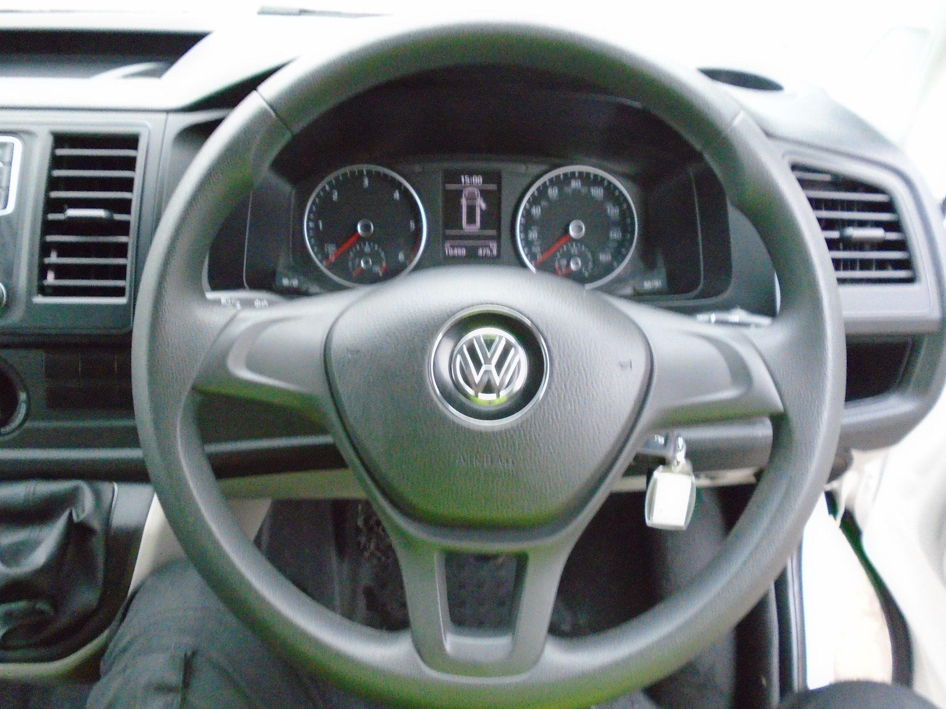 2018 Volkswagen Transporter 2.0 Tdi Bmt 102 Startline Van Euro 6 (GJ18KFL) Image 14