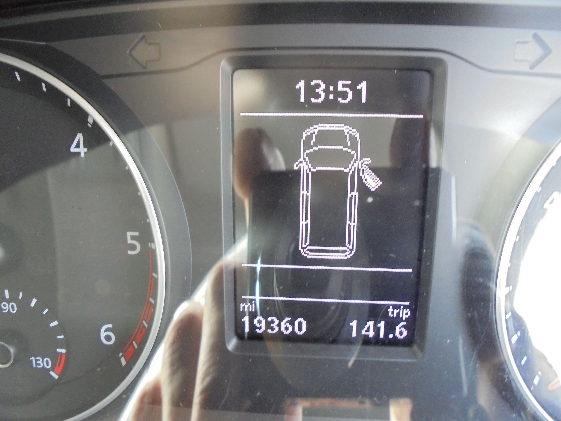 2018 Volkswagen Transporter  T30 LWB DIESEL 2.0 TDI BMT 102 STARTLINE VAN EURO 6 (GJ18KFO) Image 13