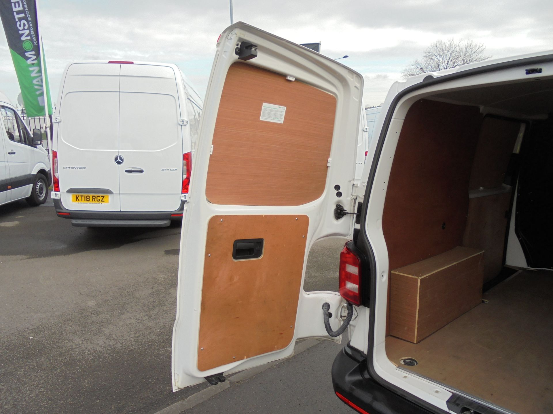 2018 Volkswagen Transporter T28 2.0 Tdi Bmt 102 Startline Van Euro 6 (GJ18KFU) Image 30