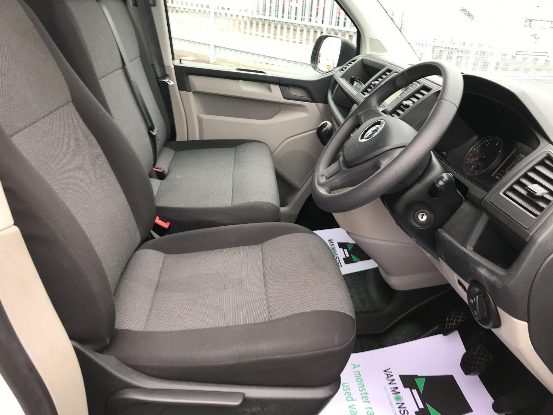 2018 Volkswagen Transporter  T30 LWB 2.0TDI BMT 102PS STARTLINE EURO 6 (GJ18UXT) Image 15