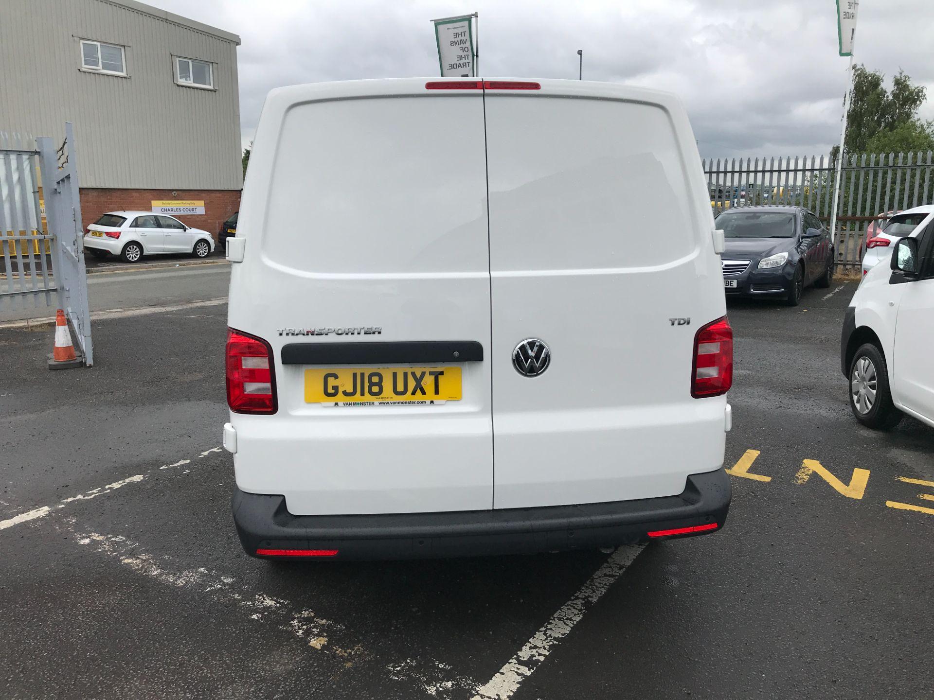 2018 Volkswagen Transporter  T30 LWB 2.0TDI BMT 102PS STARTLINE EURO 6 (GJ18UXT) Image 8