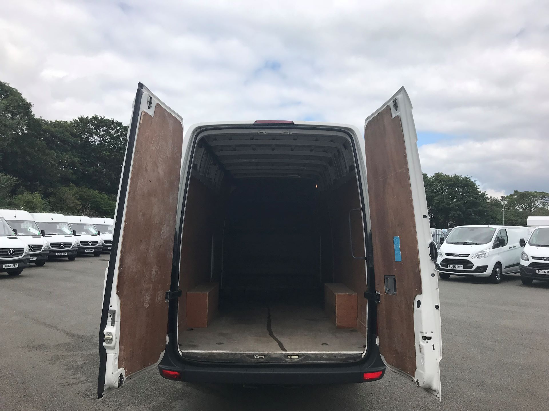 2015 Volkswagen Crafter  CR35 LWB 2.0 TDI 136PS HIGH ROOF EURO 5 (GJ65AKZ) Image 7