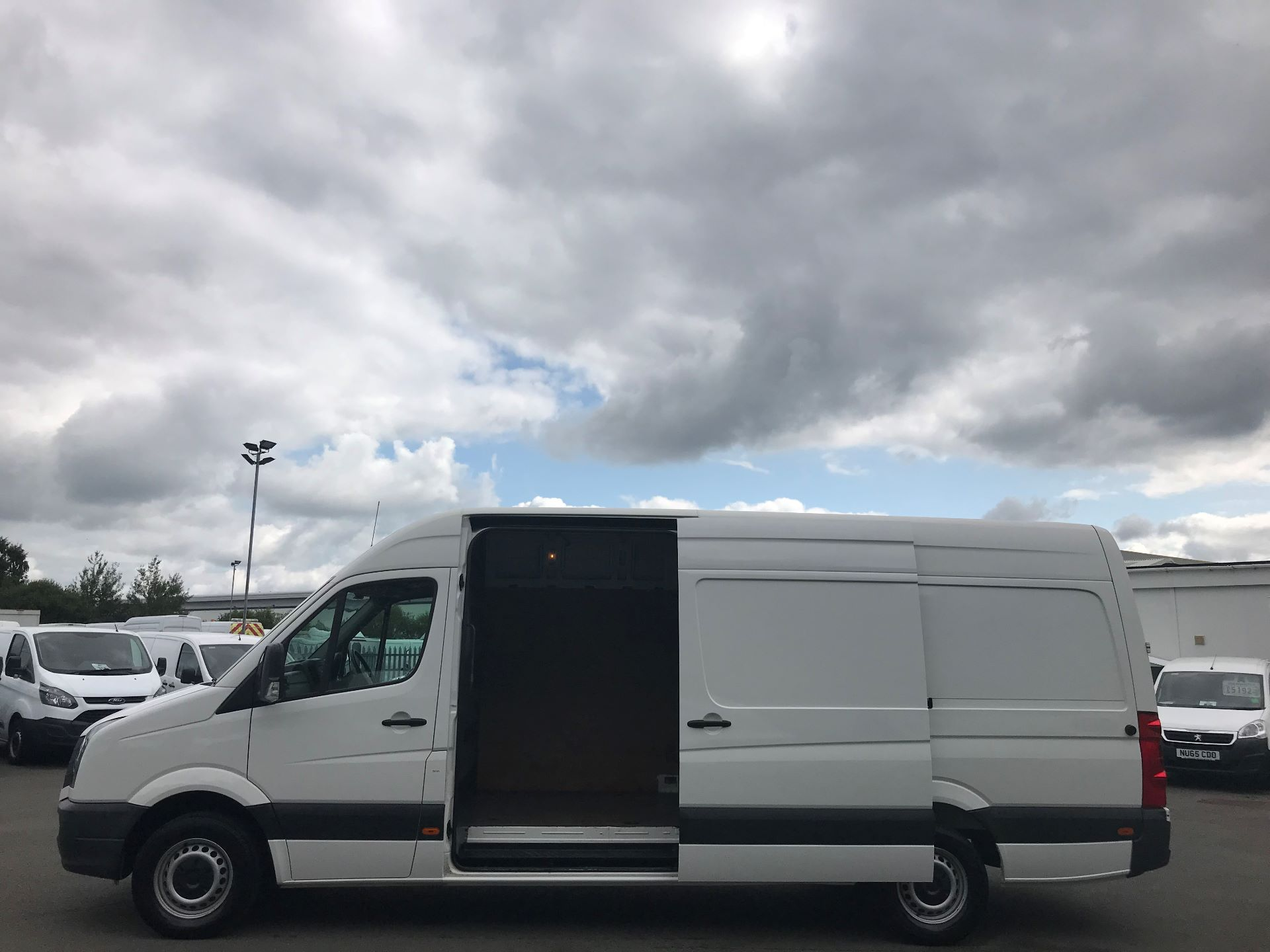 2015 Volkswagen Crafter  CR35 LWB 2.0 TDI 136PS HIGH ROOF EURO 5 (GJ65AKZ) Image 10