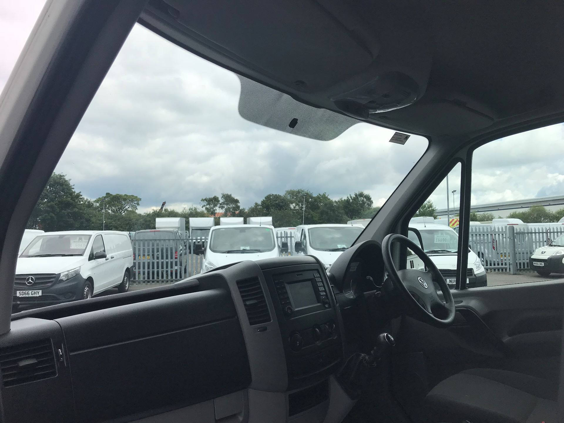 2015 Volkswagen Crafter  CR35 LWB 2.0 TDI 136PS HIGH ROOF EURO 5 (GJ65AKZ) Image 17