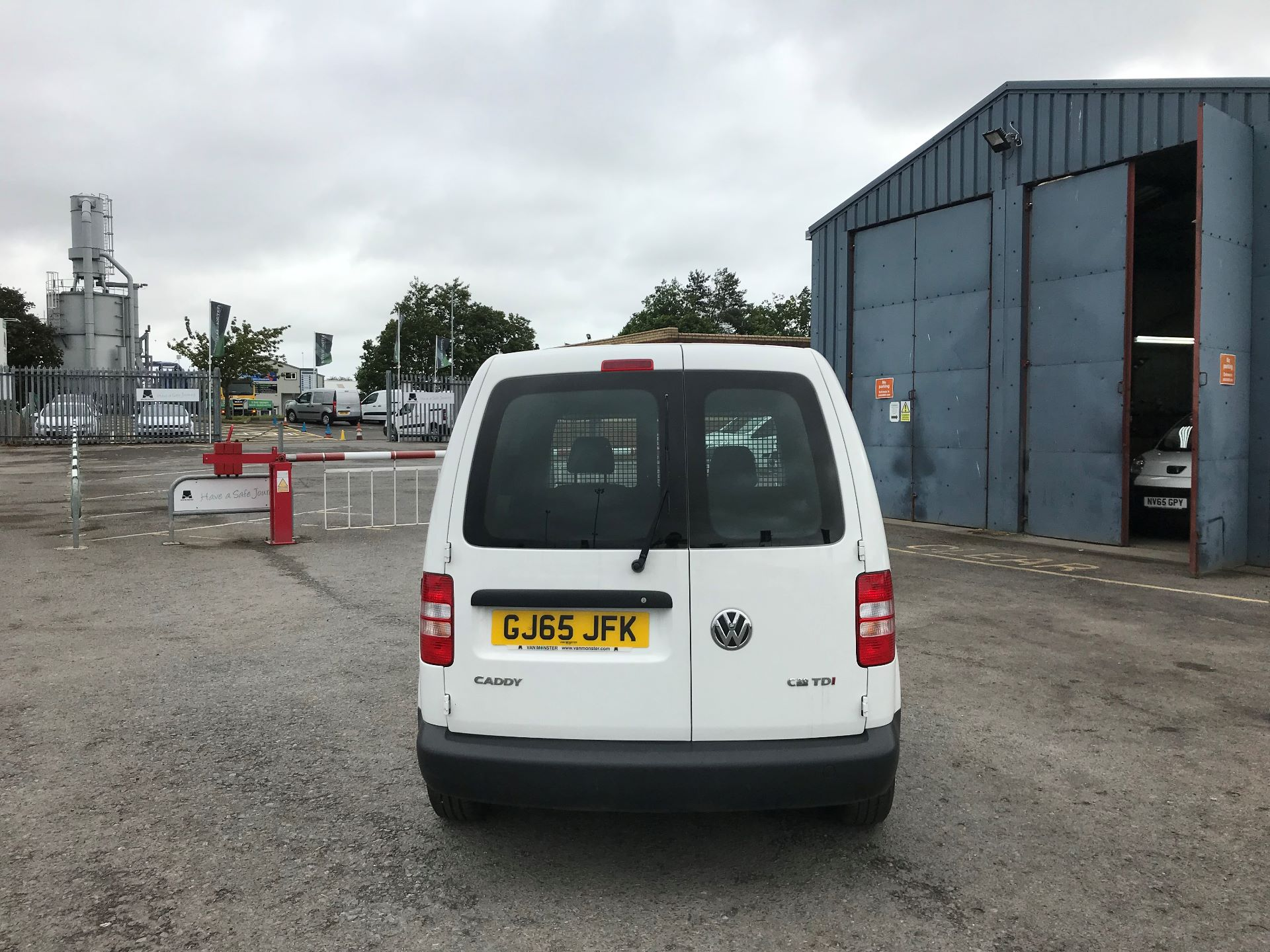 2016 Volkswagen Caddy  1.6 102PS STARTLINE EURO 5 (GJ65JFK) Thumbnail 5