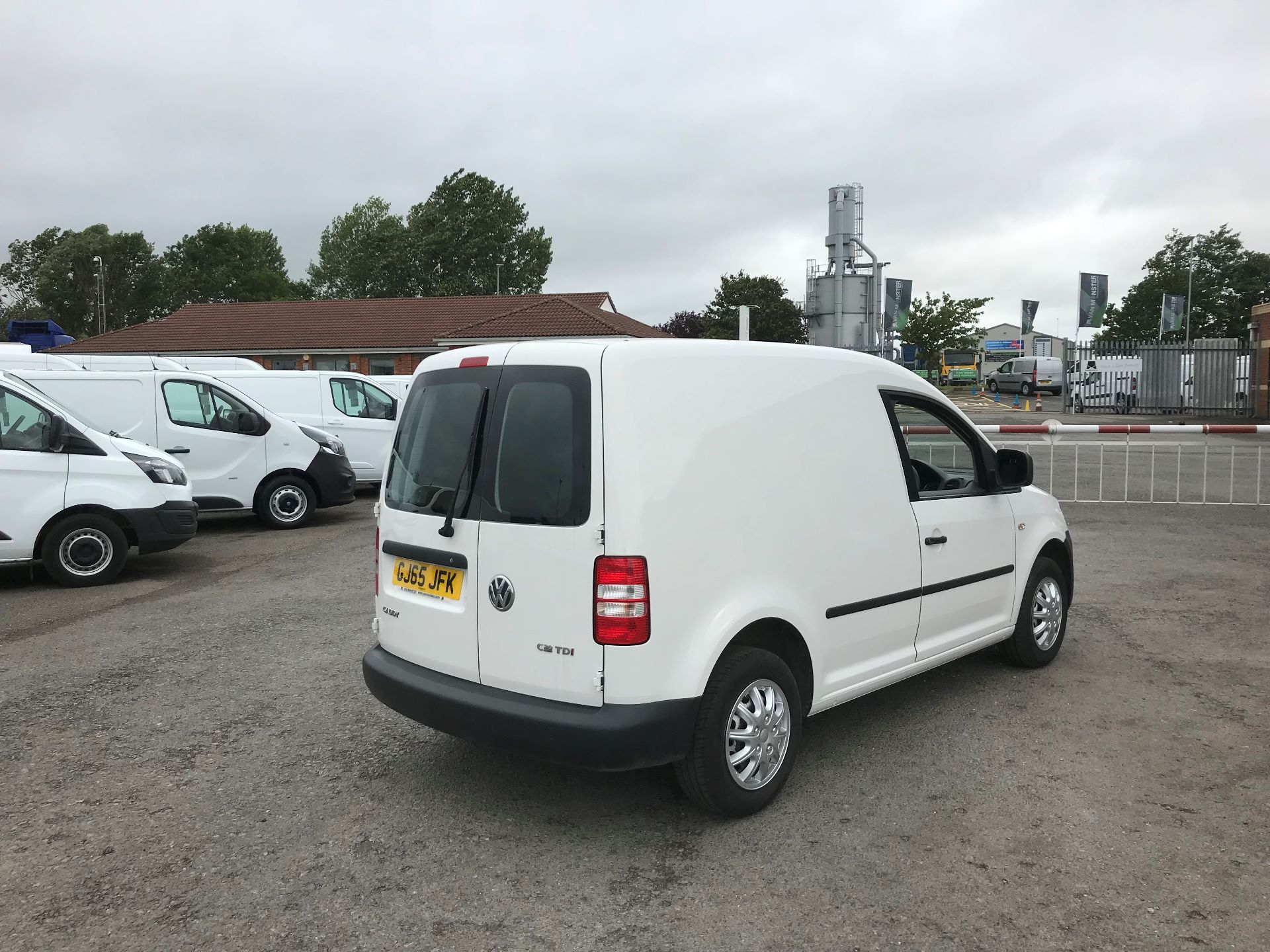 2016 Volkswagen Caddy  1.6 102PS STARTLINE EURO 5 (GJ65JFK) Thumbnail 4