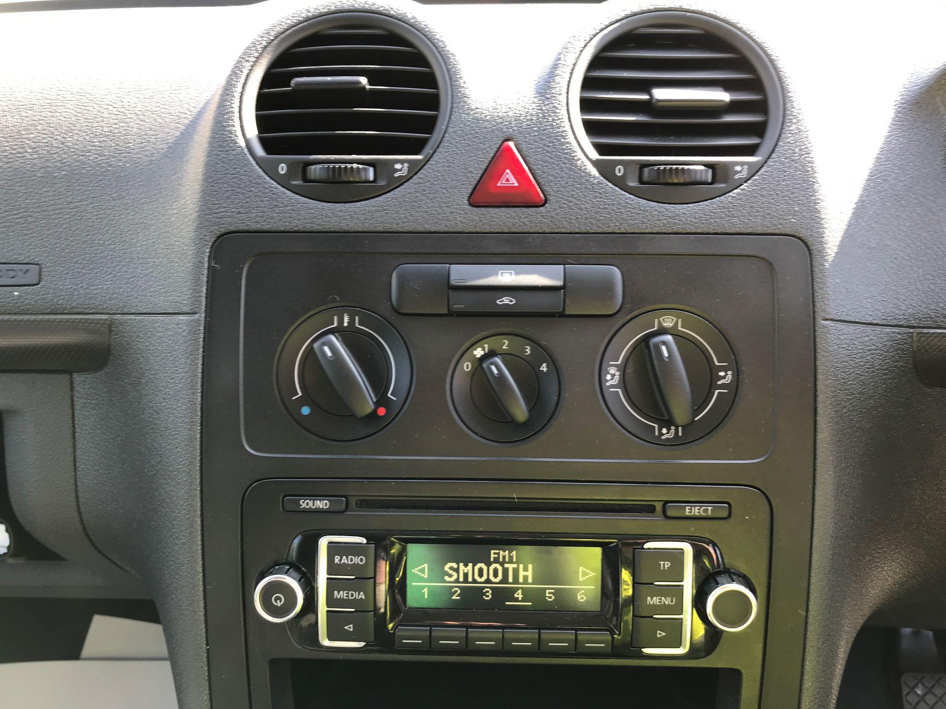 2016 Volkswagen Caddy 1.6TDI 75PS STARTLINE EURO 5 (GJ65JKV) Image 3