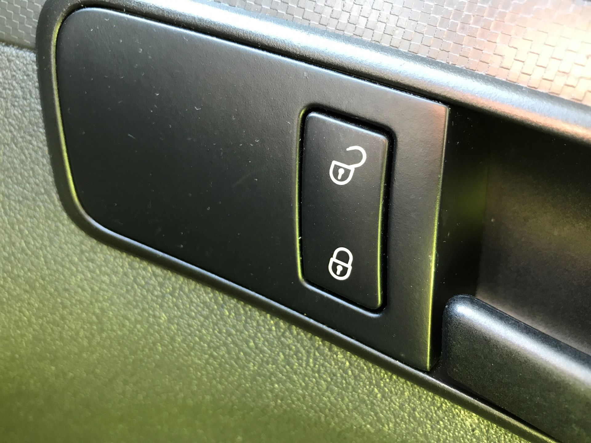 2016 Volkswagen Caddy 1.6TDI 75PS STARTLINE EURO 5 (GJ65JKV) Image 23