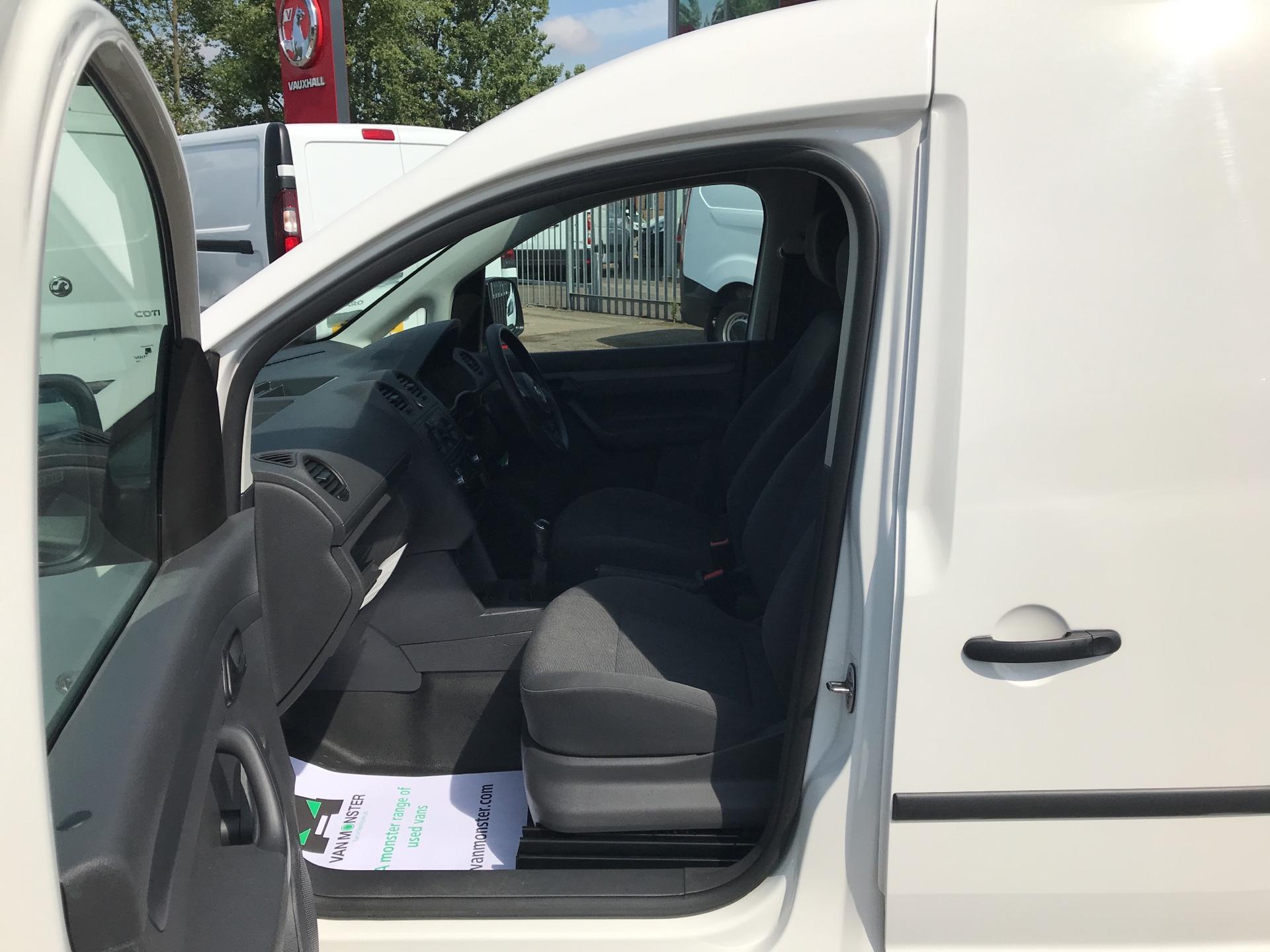 2016 Volkswagen Caddy 1.6 75PS STARTLINE EURO 5 (GJ65JLU) Image 15