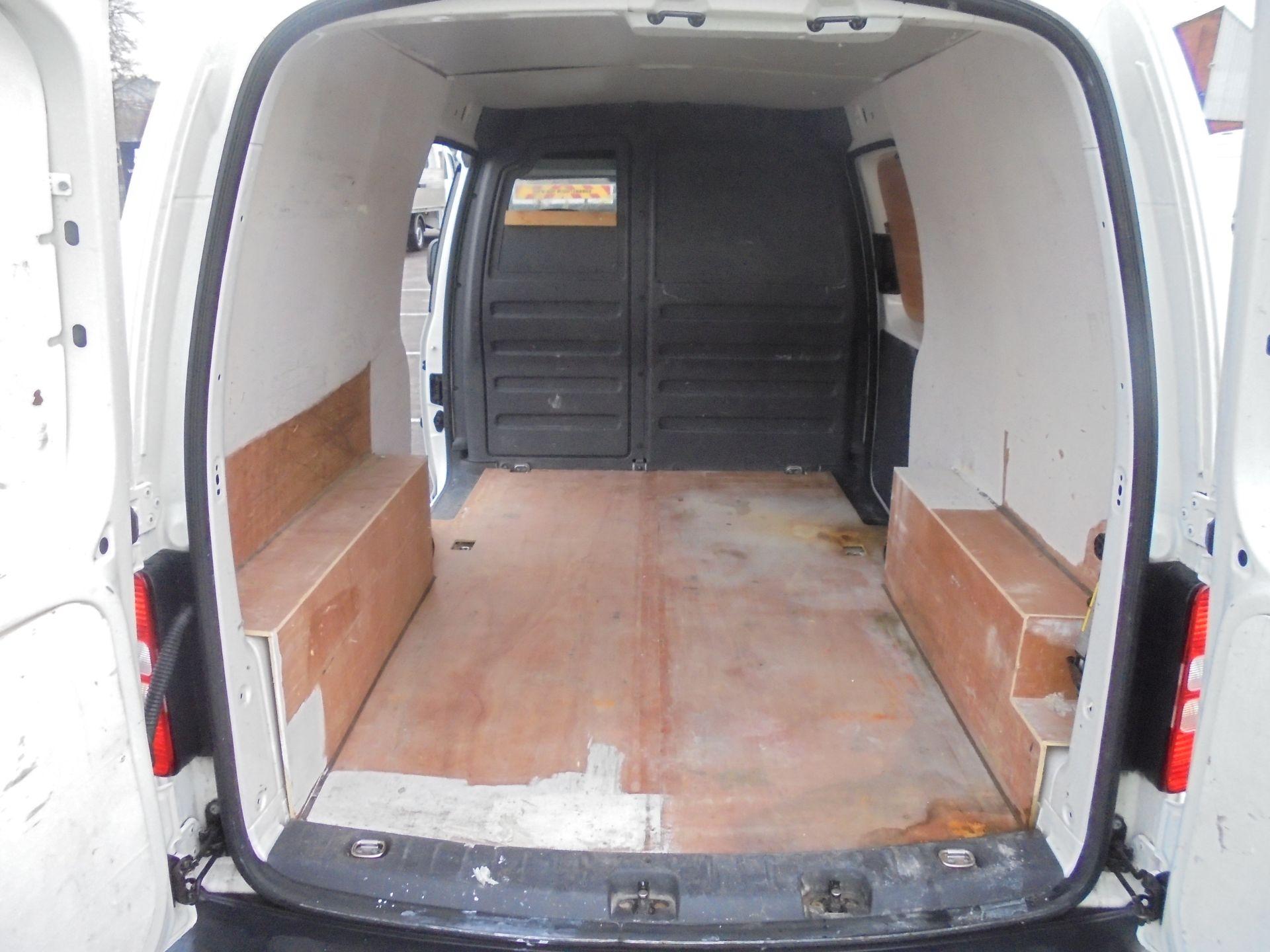2016 Volkswagen Caddy Maxi 1.6 Tdi 102Ps Startline Van (GJ65JRZ) Image 24