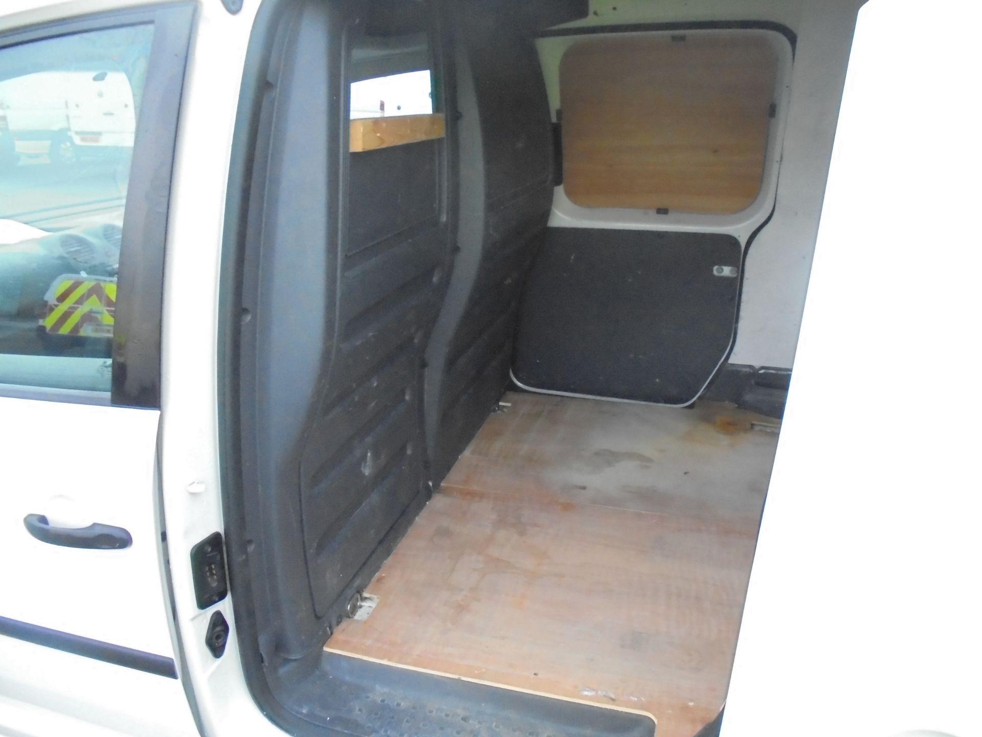 2016 Volkswagen Caddy Maxi 1.6 Tdi 102Ps Startline Van (GJ65JRZ) Image 21