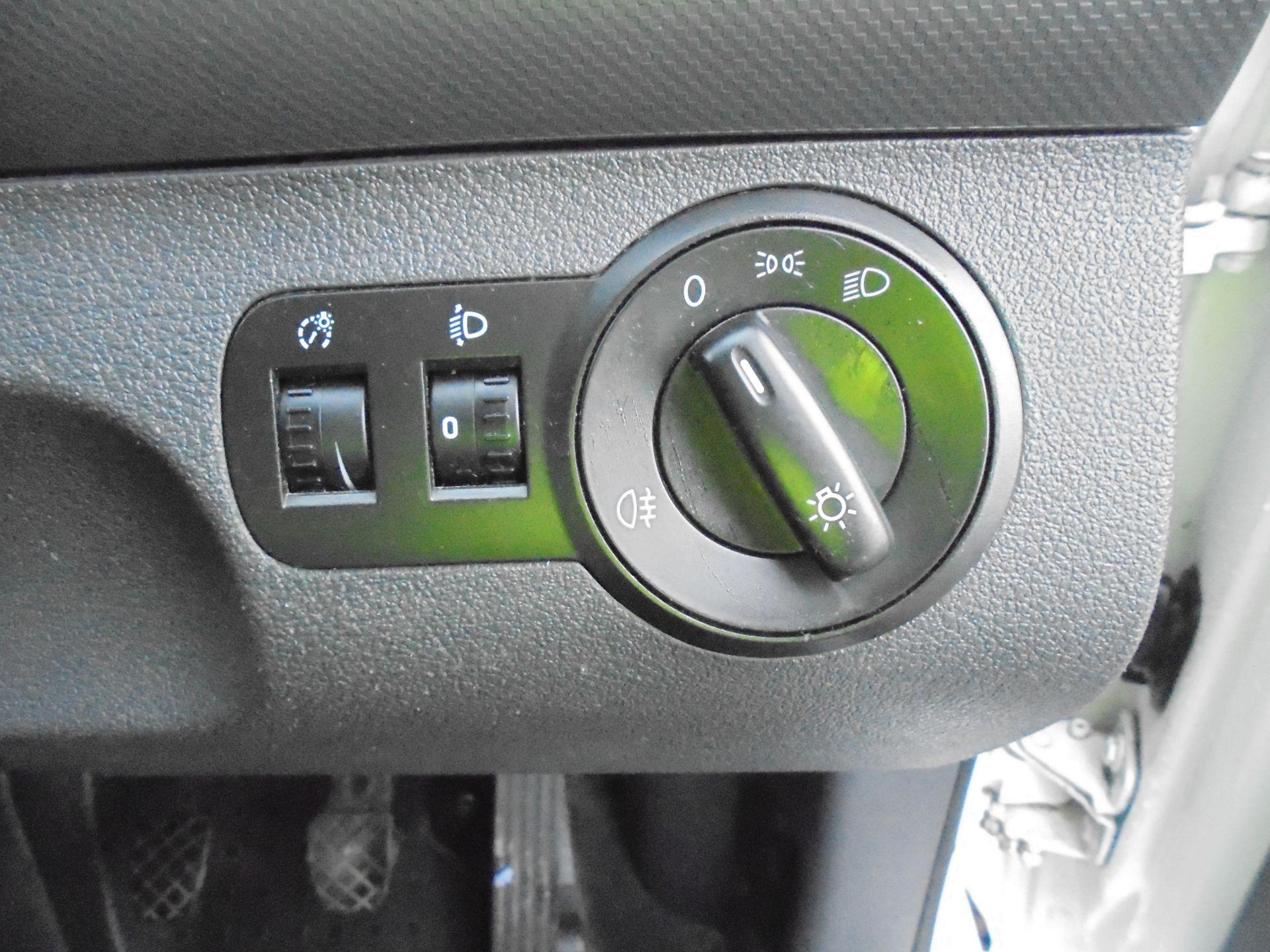 2016 Volkswagen Caddy Maxi 1.6 Tdi 102Ps Startline Van (GJ65JRZ) Image 13