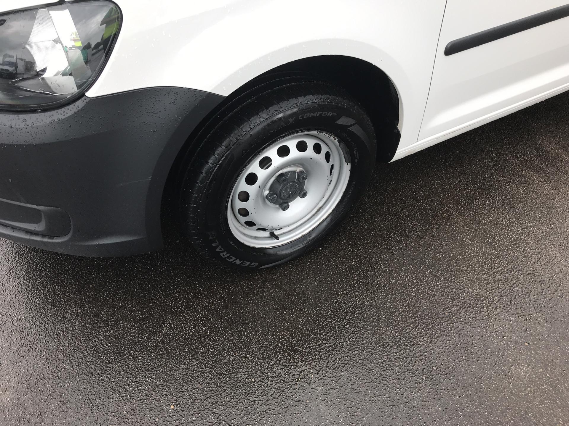 2015 Volkswagen Caddy 1.6 Tdi 75Ps Startline Van (GJ65MGZ) Image 15