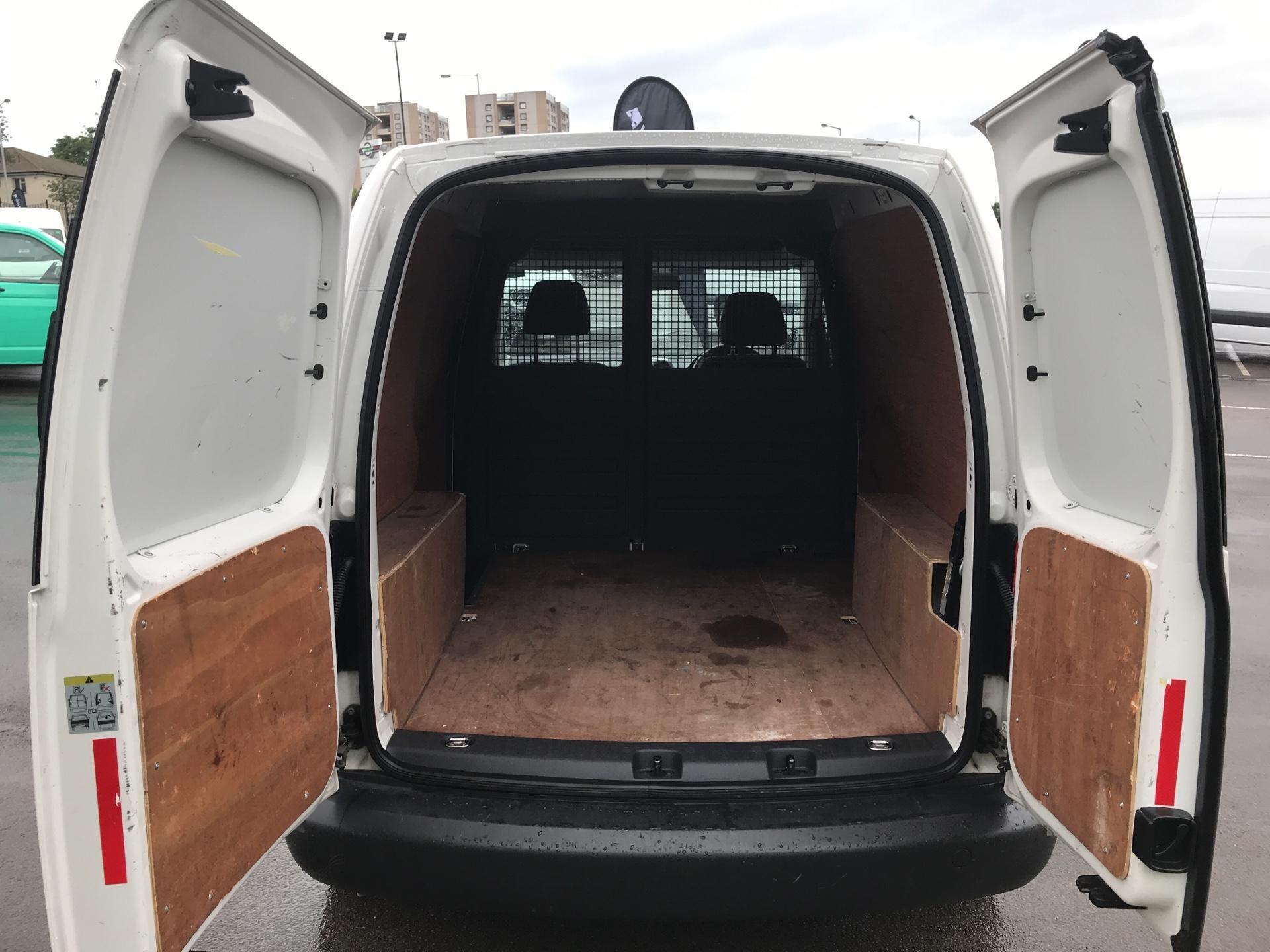 2015 Volkswagen Caddy 1.6 Tdi 75Ps Startline Van (GJ65MGZ) Image 18