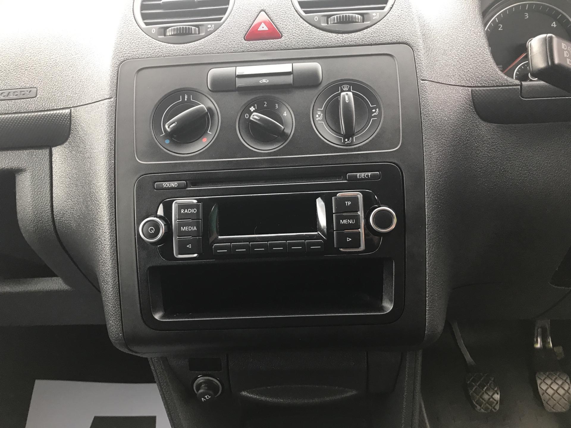 2015 Volkswagen Caddy 1.6 Tdi 75Ps Startline Van (GJ65MGZ) Image 10