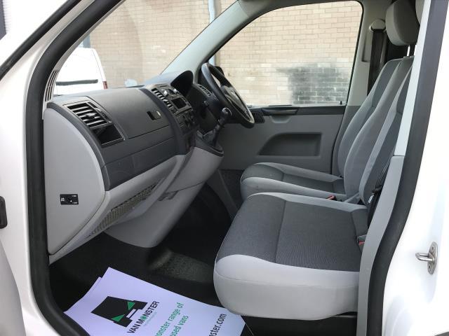 2015 Volkswagen Transporter  T28 SWB 2.0TDI 102PS STARTLINE EURO 5 *VALUE RANGE VEHICLE - CONDITION REFLECTED IN PRICE* (GJ65MMX) Image 16