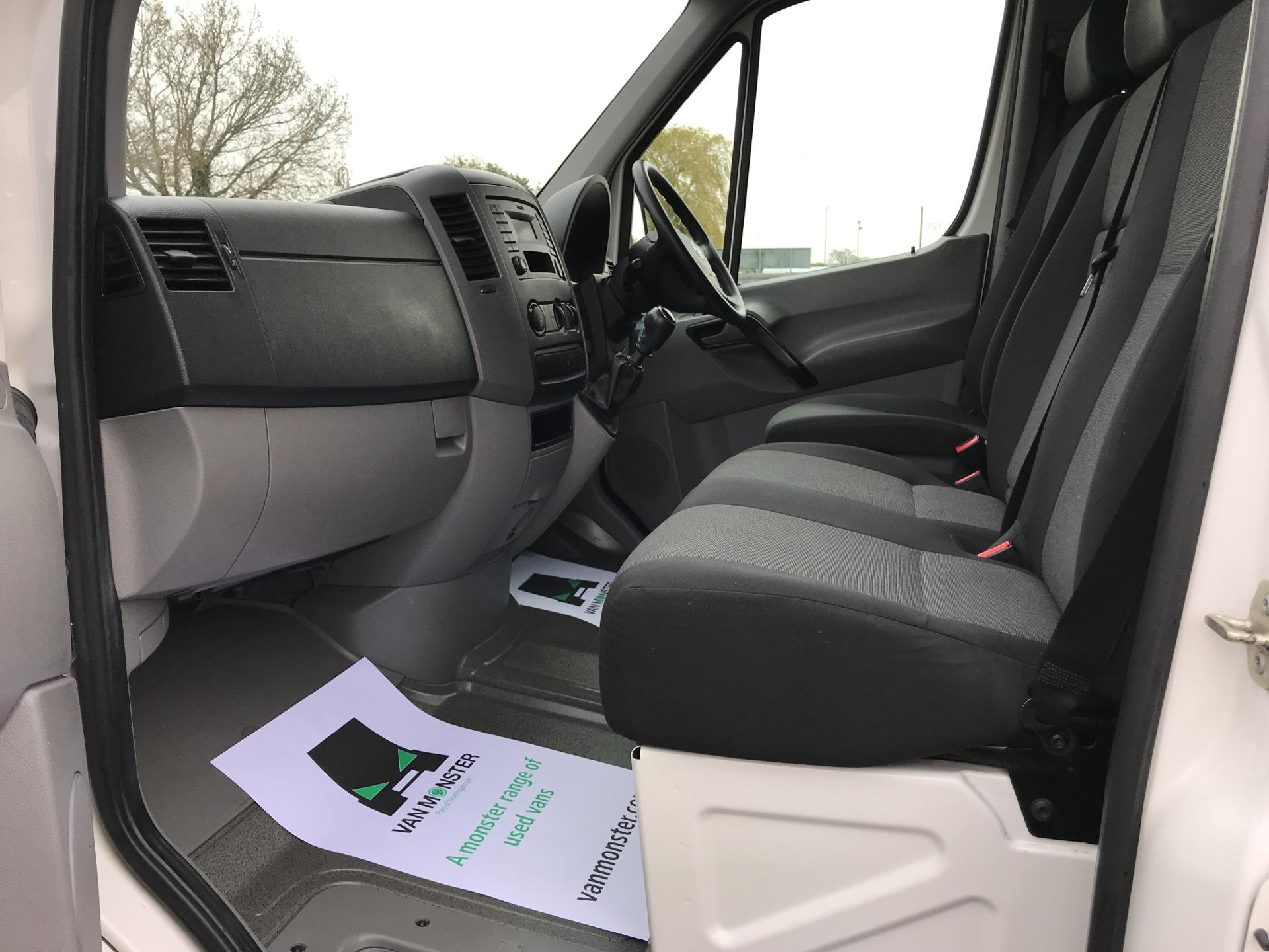 2015 Volkswagen Crafter CR35 LWB 2.0 136PS HIGH ROOF EURO 5 (GJ65TKU) Image 14