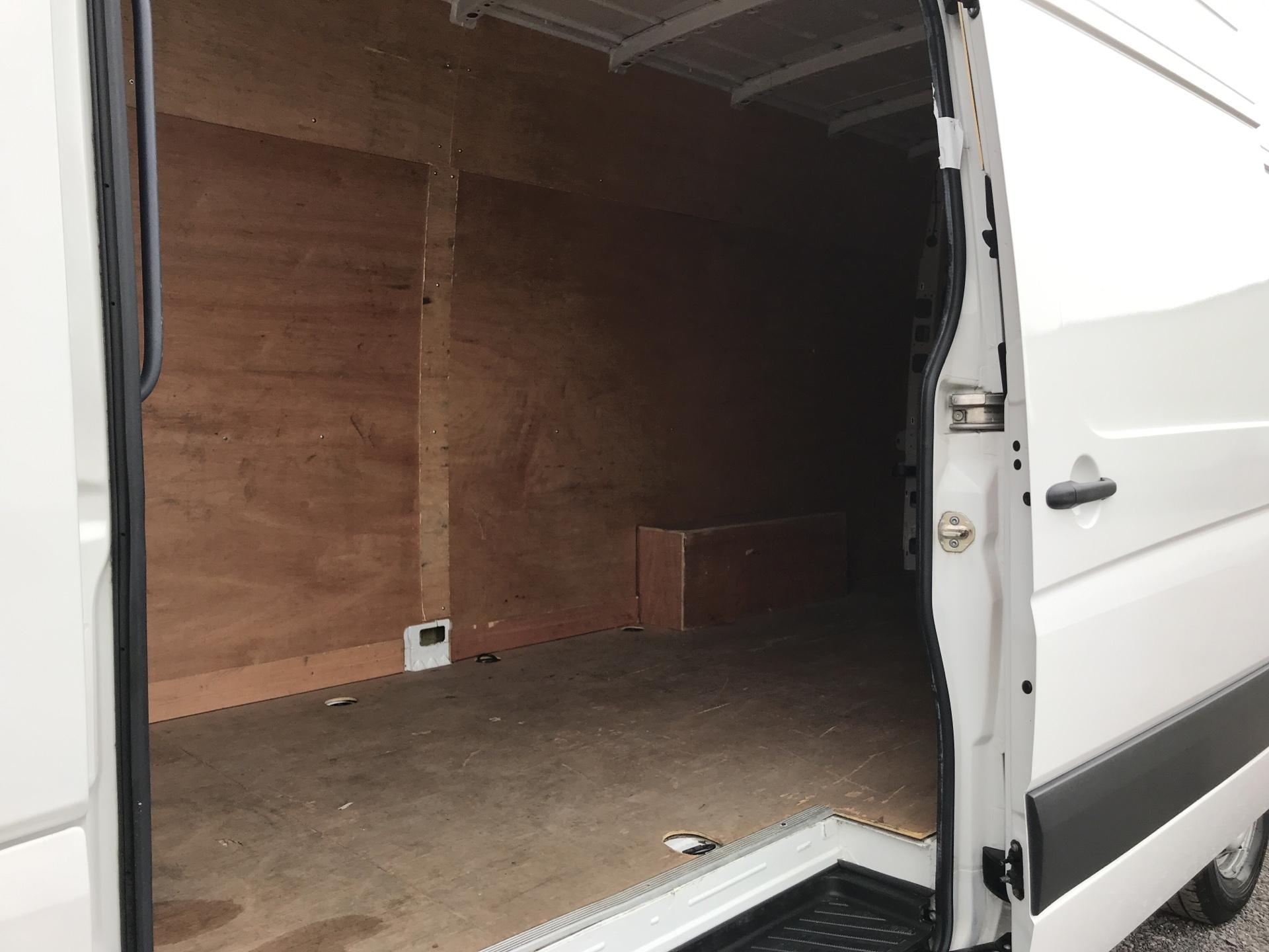 2015 Volkswagen Crafter CR35 LWB 2.0 136PS HIGH ROOF EURO 5 (GJ65TKU) Image 17