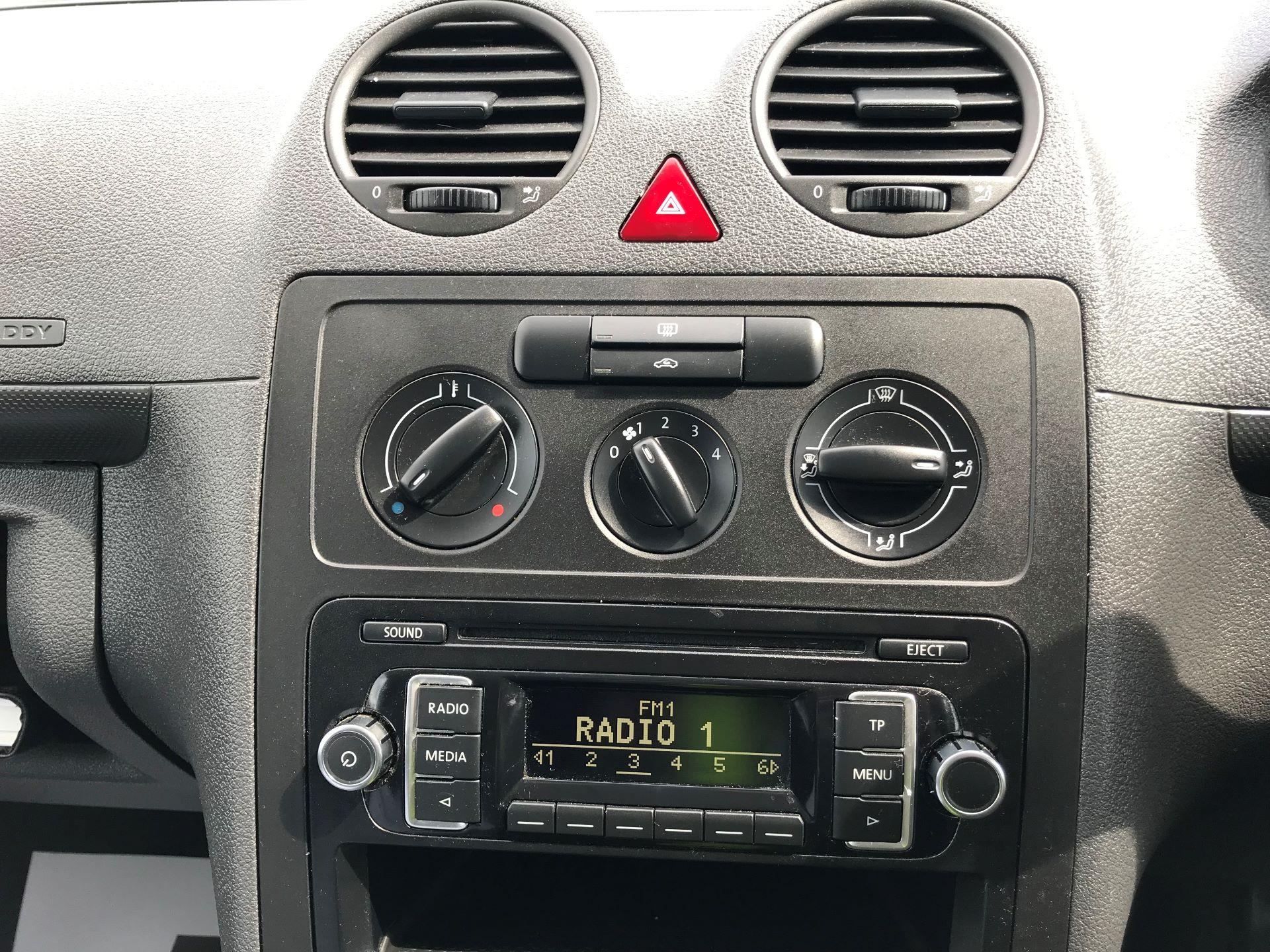 2015 Volkswagen Caddy  1.6 102PS STARTLINE EURO 5 (GJ65TKV) Image 24