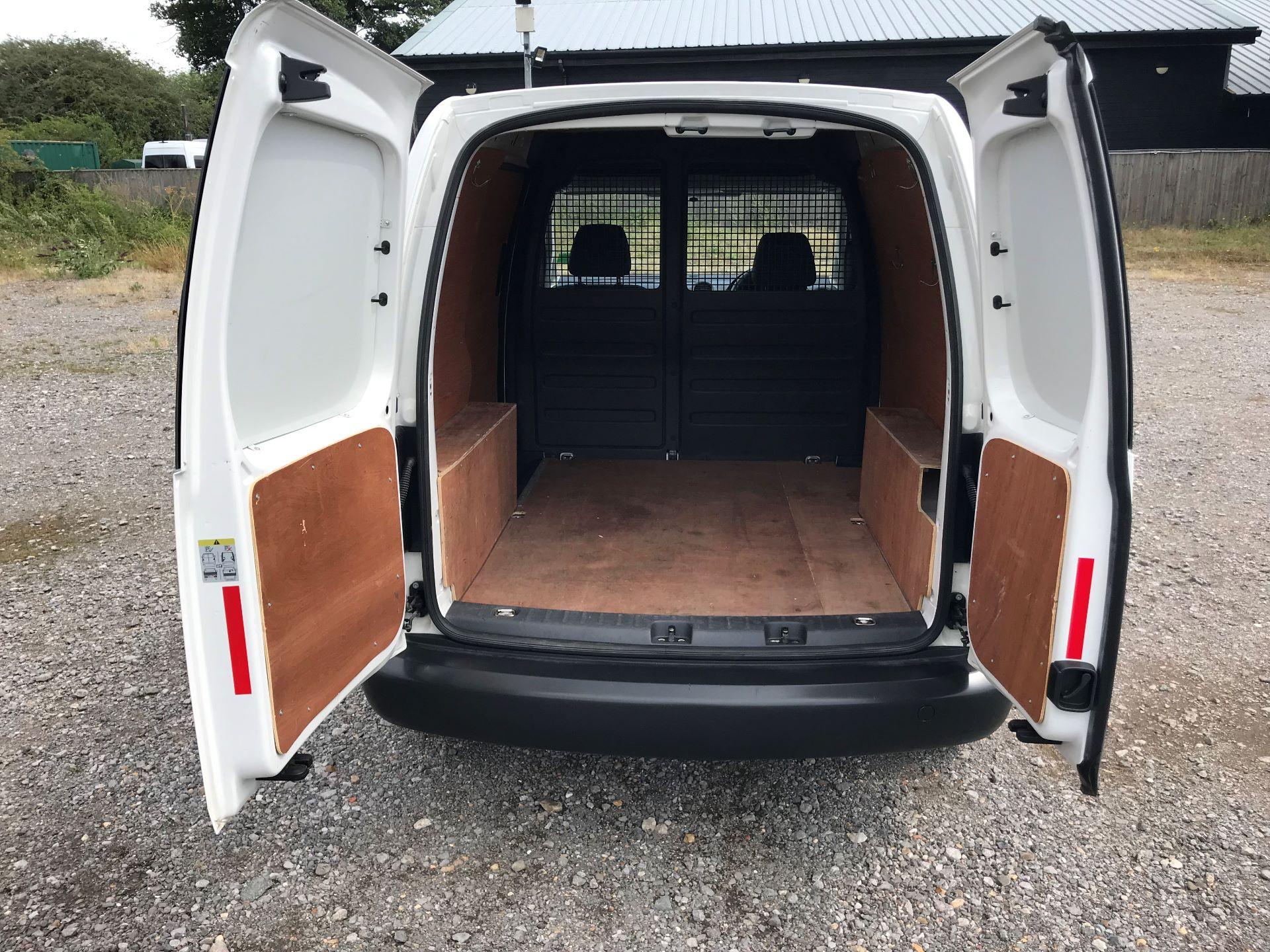 2015 Volkswagen Caddy  1.6 102PS STARTLINE EURO 5 (GJ65TKV) Image 7