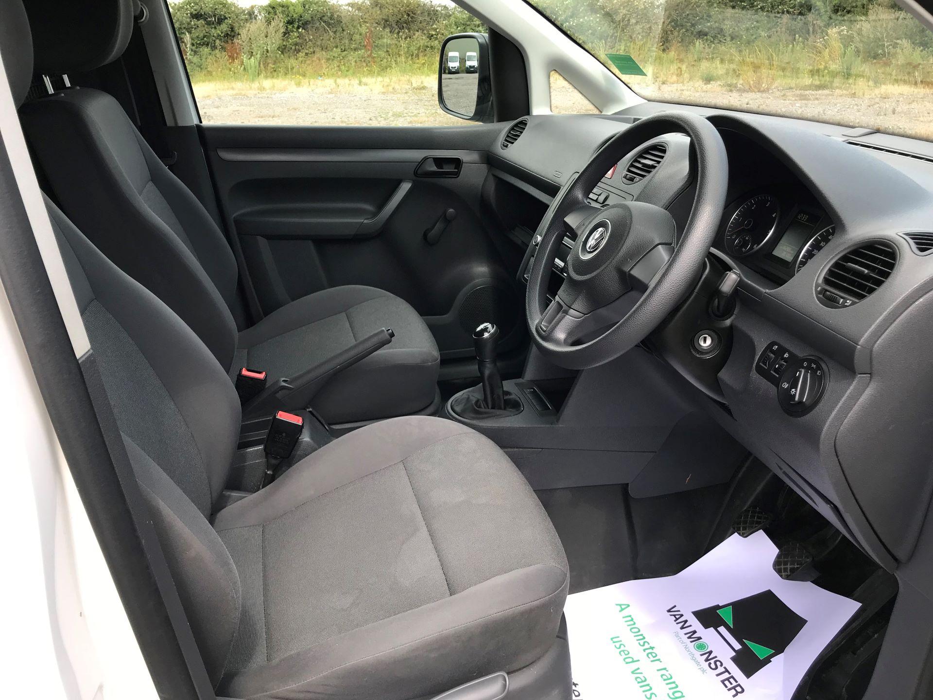 2015 Volkswagen Caddy  1.6 102PS STARTLINE EURO 5 (GJ65TKV) Image 21