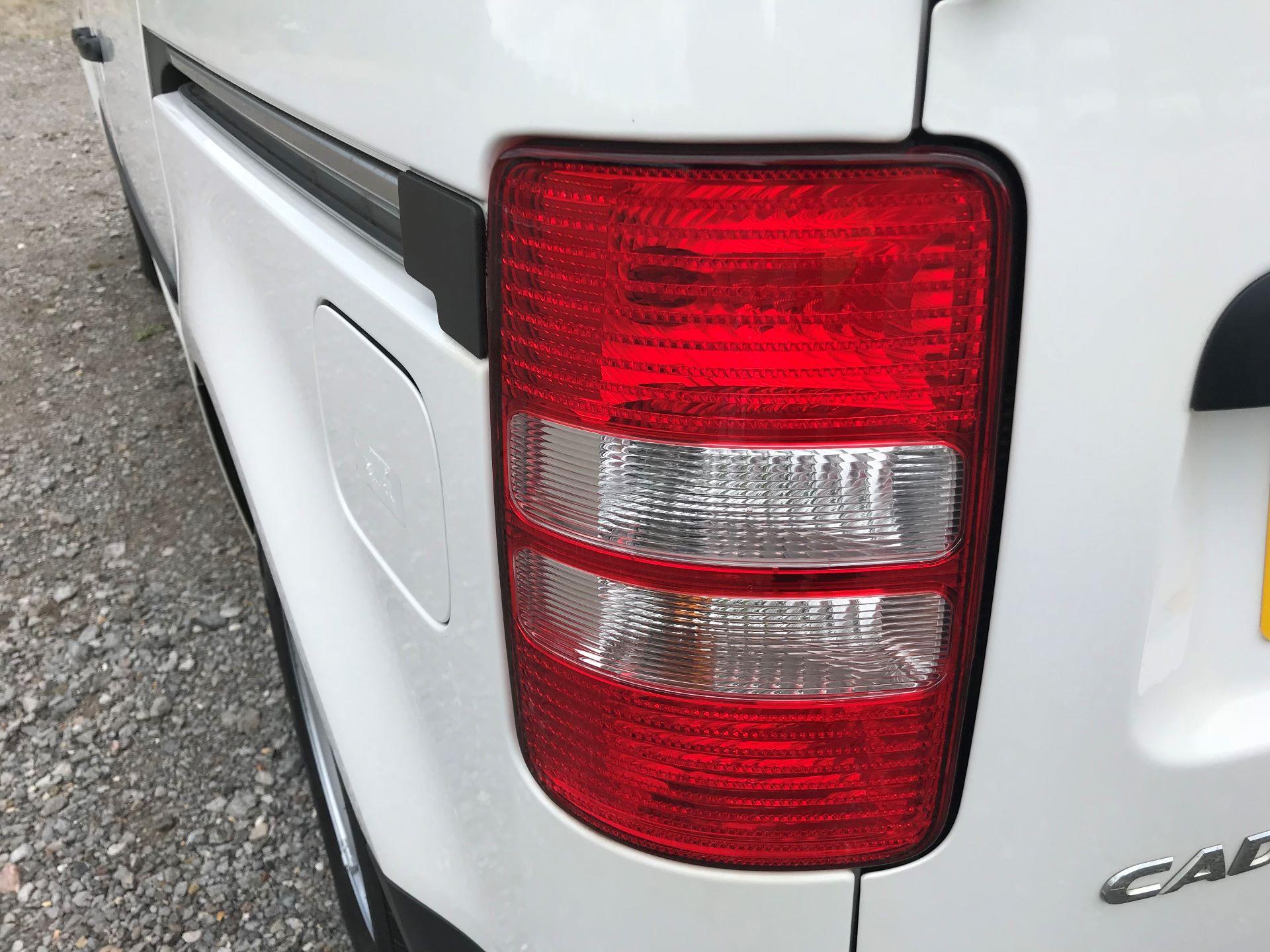 2015 Volkswagen Caddy  1.6 102PS STARTLINE EURO 5 (GJ65TKV) Image 14