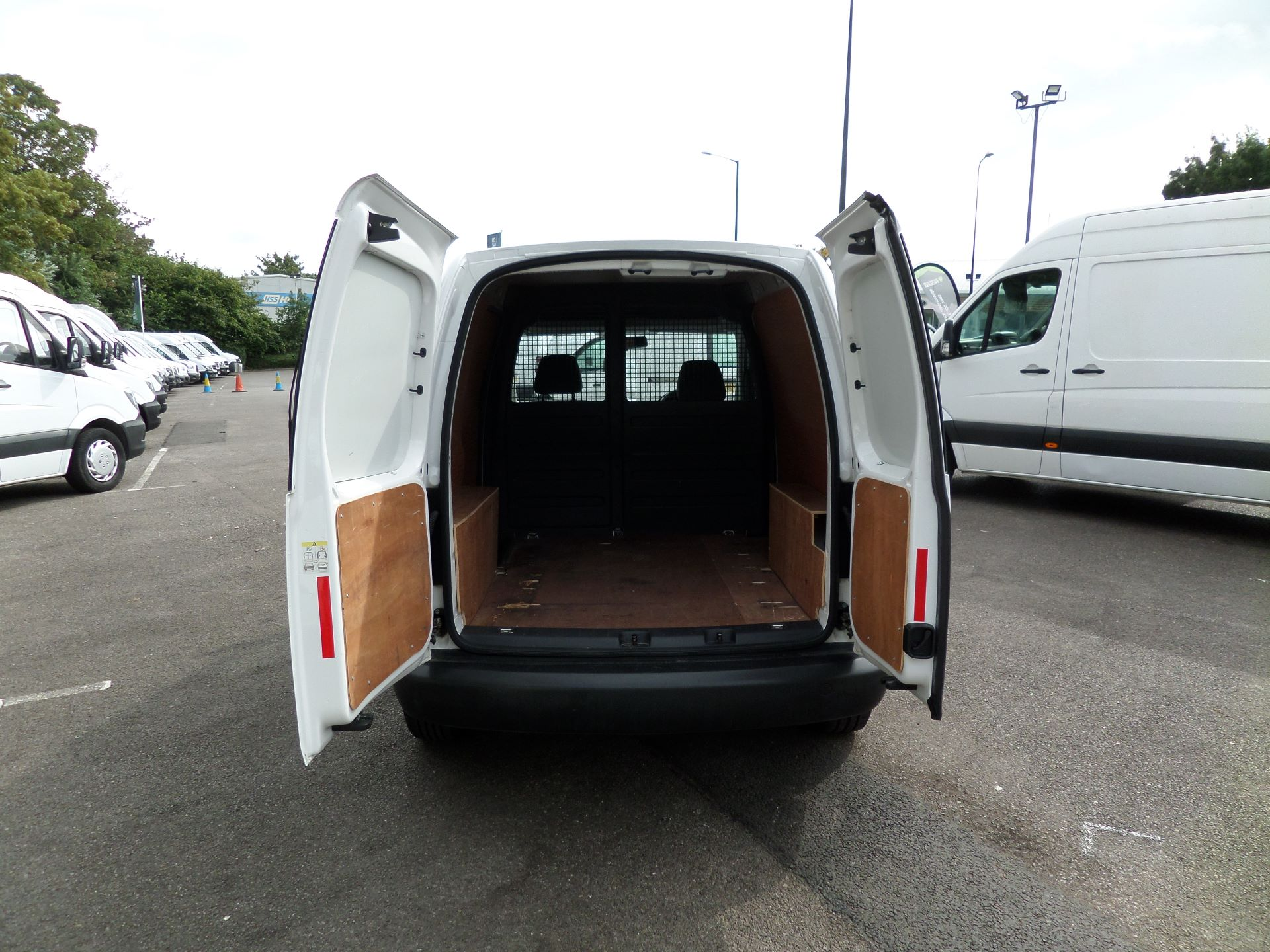 2015 Volkswagen Caddy 1.6 Tdi 102Ps Startline Van Euro 5 (GJ65WJM) Image 14