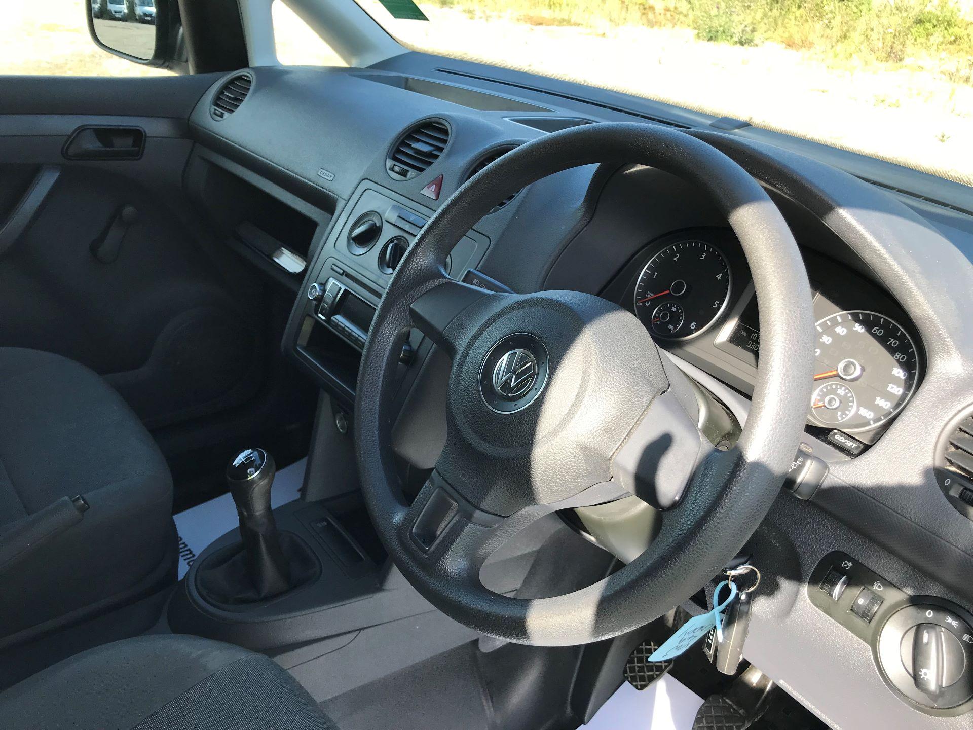 2015 Volkswagen Caddy  1.6 102PS STARTLINE EURO 5 (GJ65WMF) Image 17