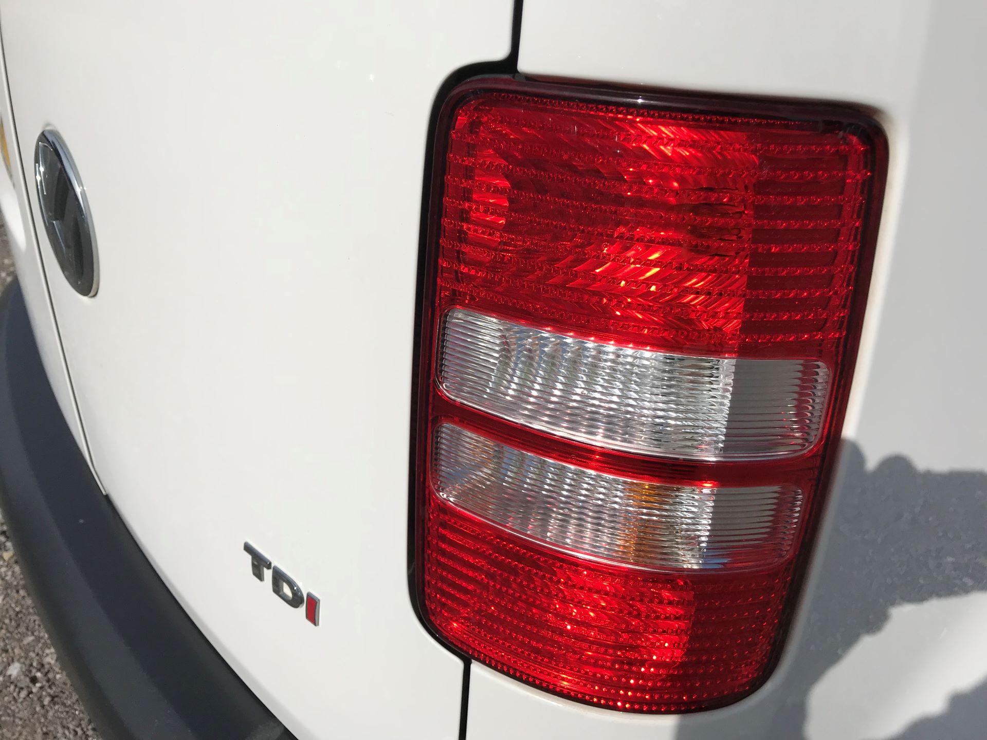 2015 Volkswagen Caddy  1.6 102PS STARTLINE EURO 5 (GJ65WMF) Image 29