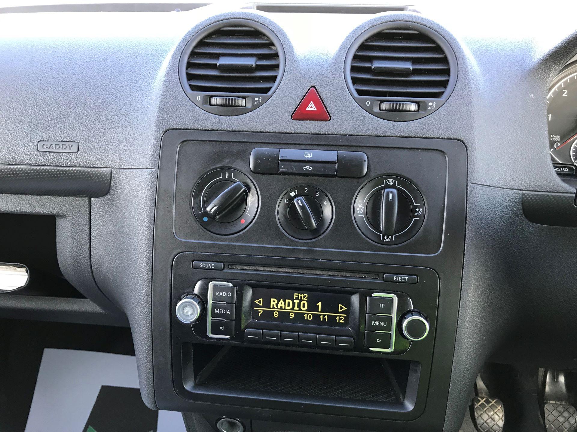 2015 Volkswagen Caddy  1.6 102PS STARTLINE EURO 5 (GJ65WMF) Image 19