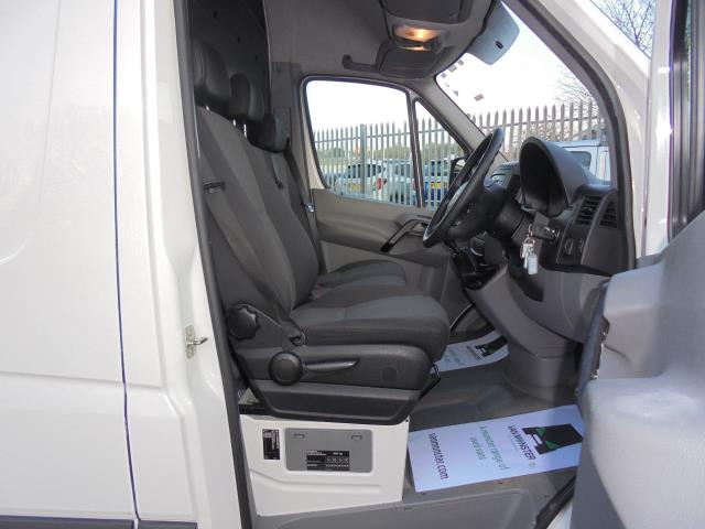 2015 Volkswagen Crafter CR35 LWB 2.0 TDI 136PS HIGH ROOF EURO 5 (GJ65ZPD) Image 15