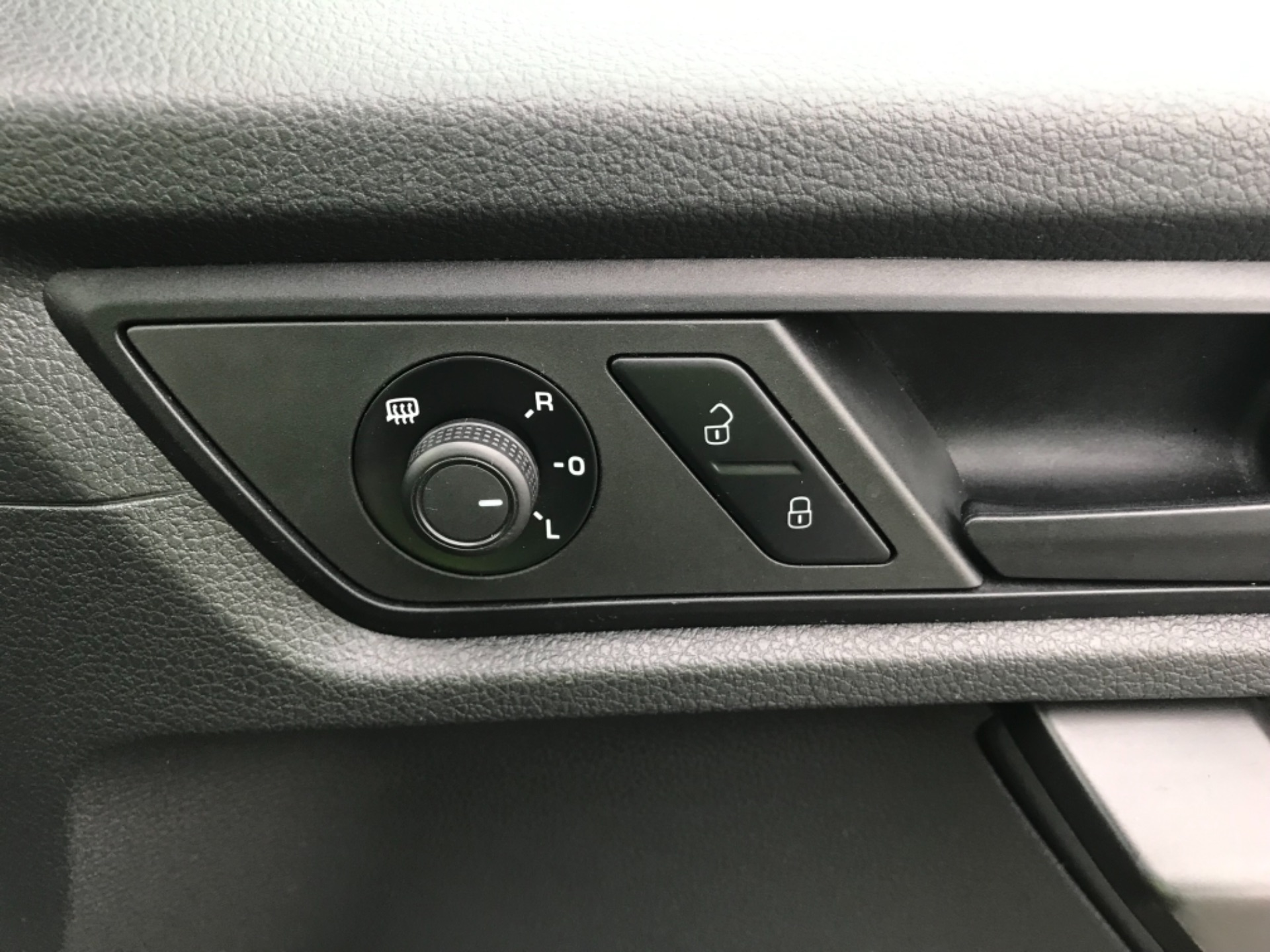 2016 Volkswagen Caddy  2.0 102PS BLUEMOTION TECH 102 STARTLINE EURO 6 (GJ66EUB) Image 19