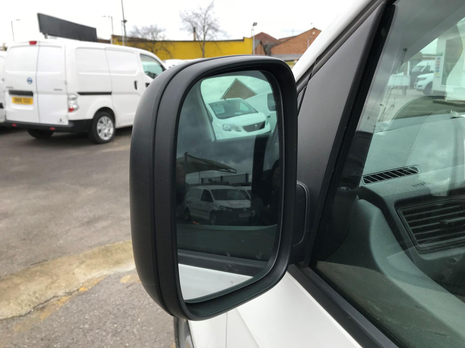 2016 Volkswagen Caddy   2.0 102PS Bluemotion Tech 102 Startline Euro 6 (GJ66EUC) Image 11