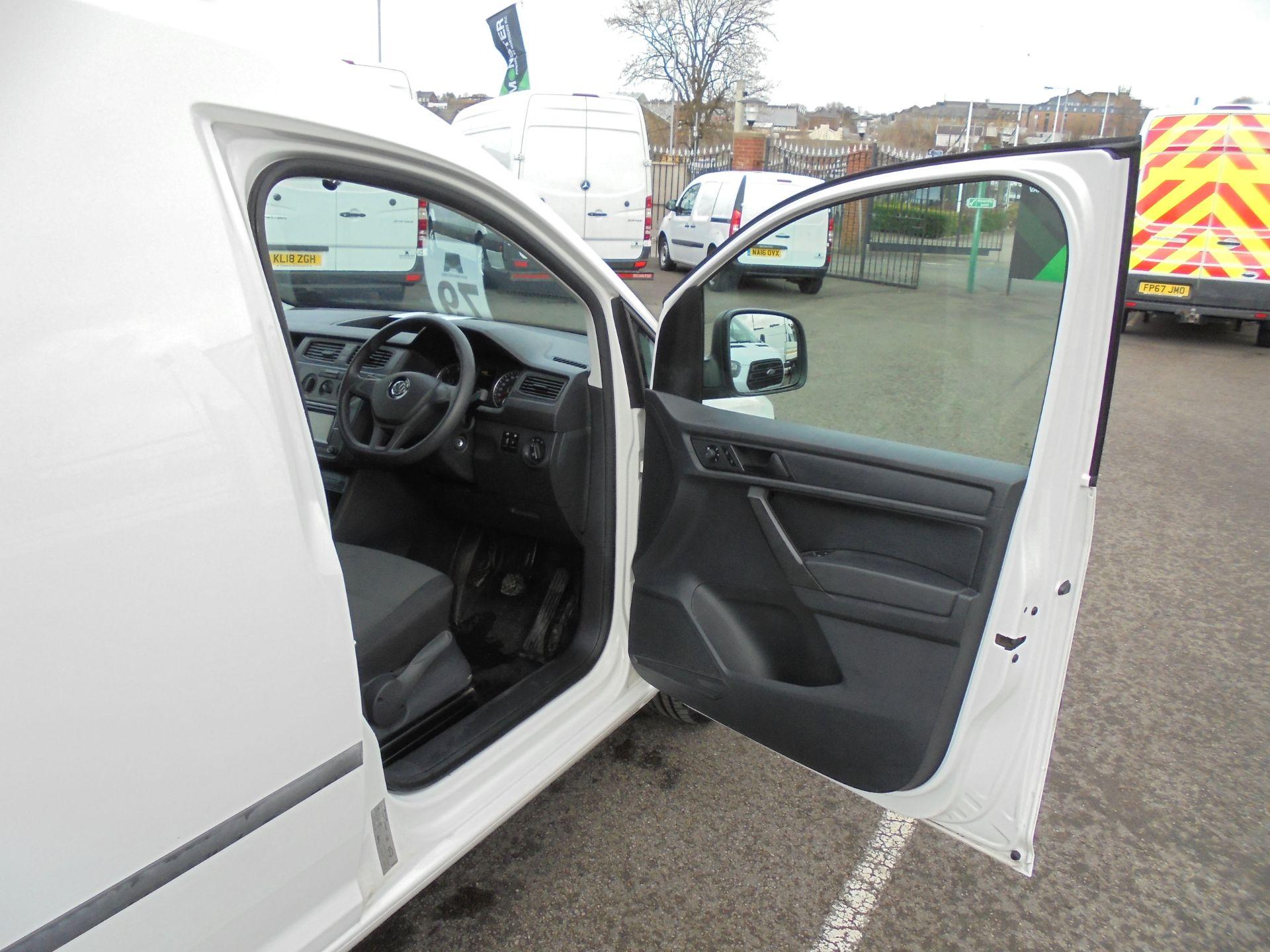 2016 Volkswagen Caddy 2.0 Tdi Bluemotion Tech 102Ps Startline Van (GJ66EUK) Image 9