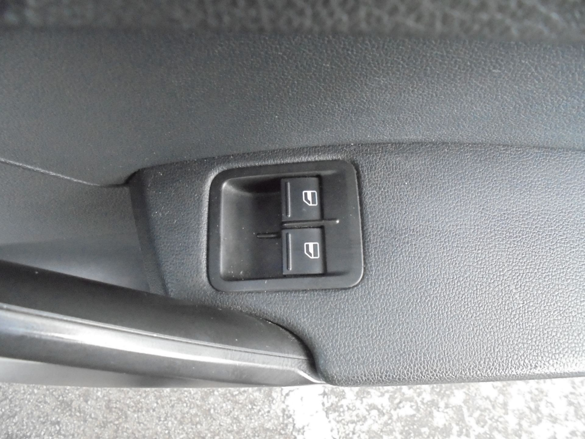 2016 Volkswagen Caddy 2.0 Tdi Bluemotion Tech 102Ps Startline Van (GJ66EUK) Image 13